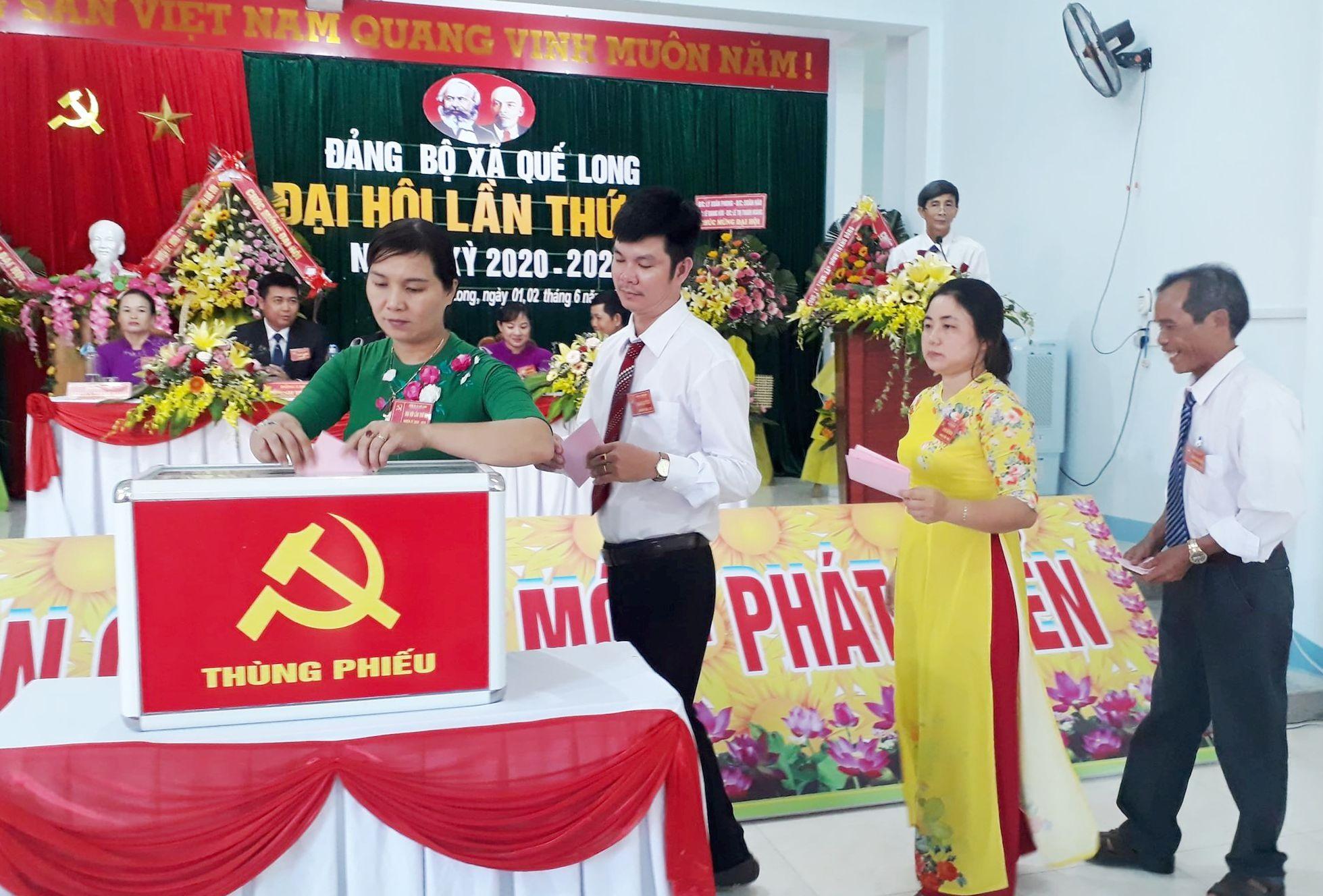 Đại hội Đảng bộ xã Quế Long nhiệm kỳ 2020-2025. ảnh DT