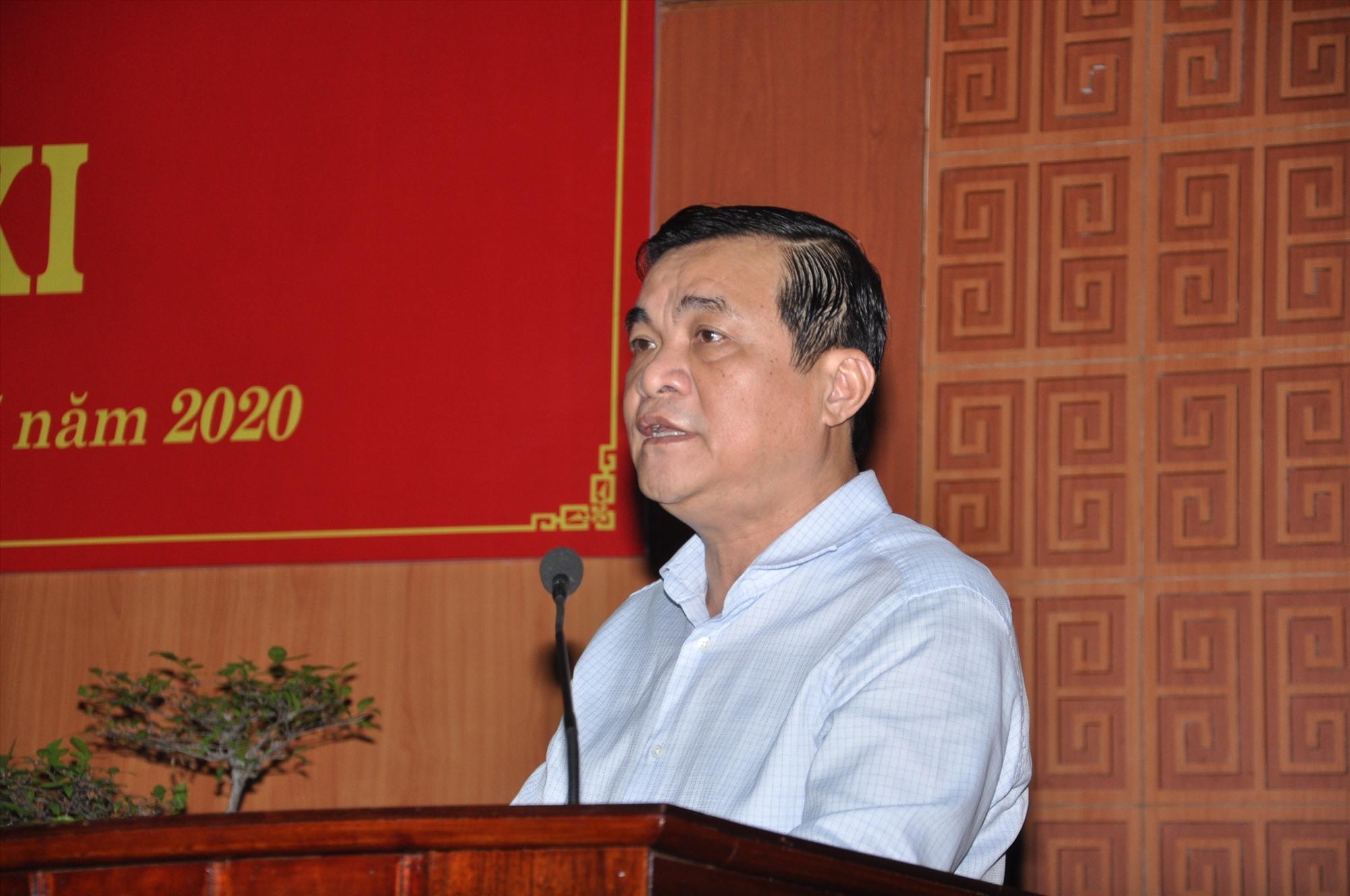 """Bí thư Tỉnh ủy Phan Việt Cường đề nghị cấp ủy đảng, chính quyền các cấp thực hiện tốt """"mục tiêu kép"""" trong 6 tháng cuối năm 2020 để hoàn thành chỉ tiêu, nhiệm vụ. Ảnh: X.P"""