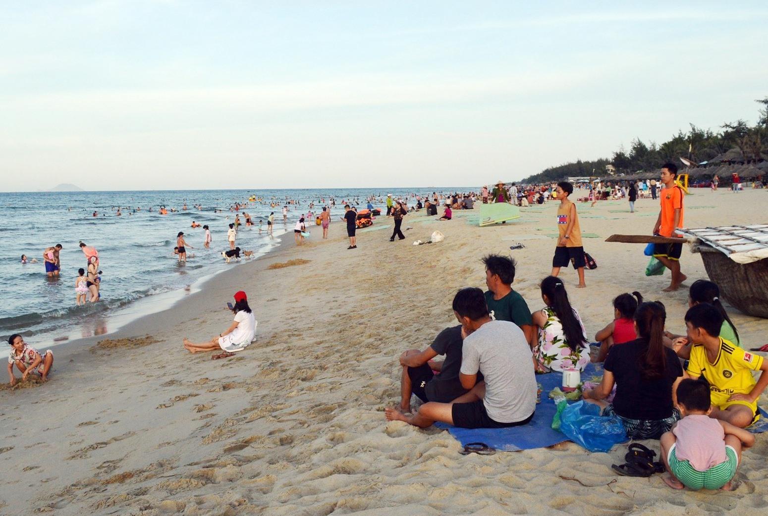 Sự kiện nhằm quảng bá bãi biển An Bàng và ẩm thực Quảng Nam. Ảnh: