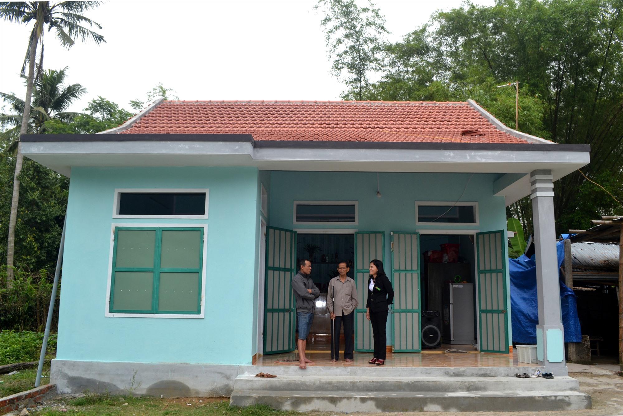 Tín dụng CSXH giúp hộ nghèo trên địa bàn huyện Thăng Bình an cư. Ảnh: VIỆT NGUYỄN