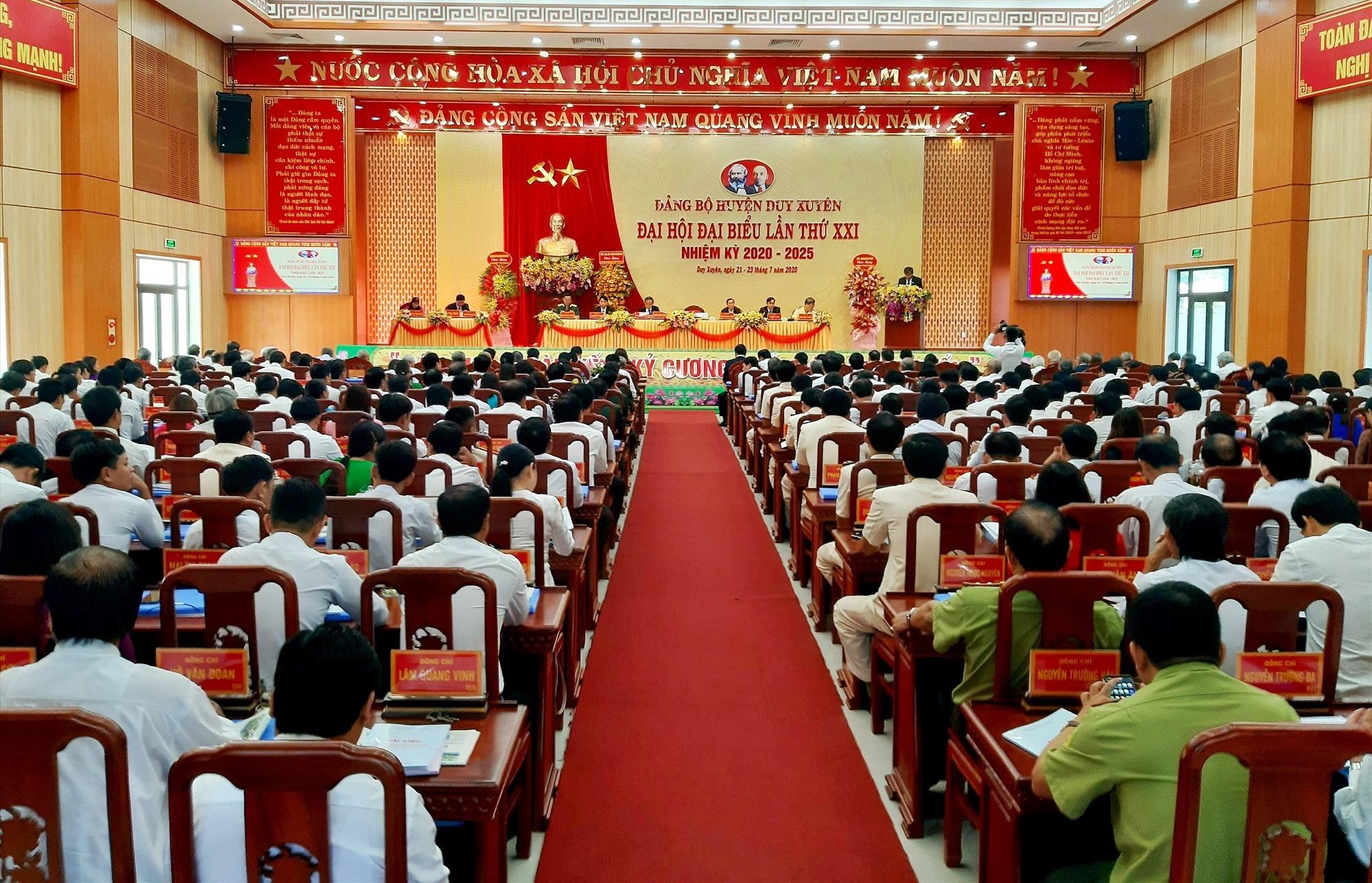 Quang cảnh phiên khai mạc Đại hội đại biểu Đảng bộ huyện Duy Xuyên lần thứ XXI (nhiệm kỳ 2020 - 2025) diễn ra sáng nay 22.7. Ảnh: VĂN SỰ