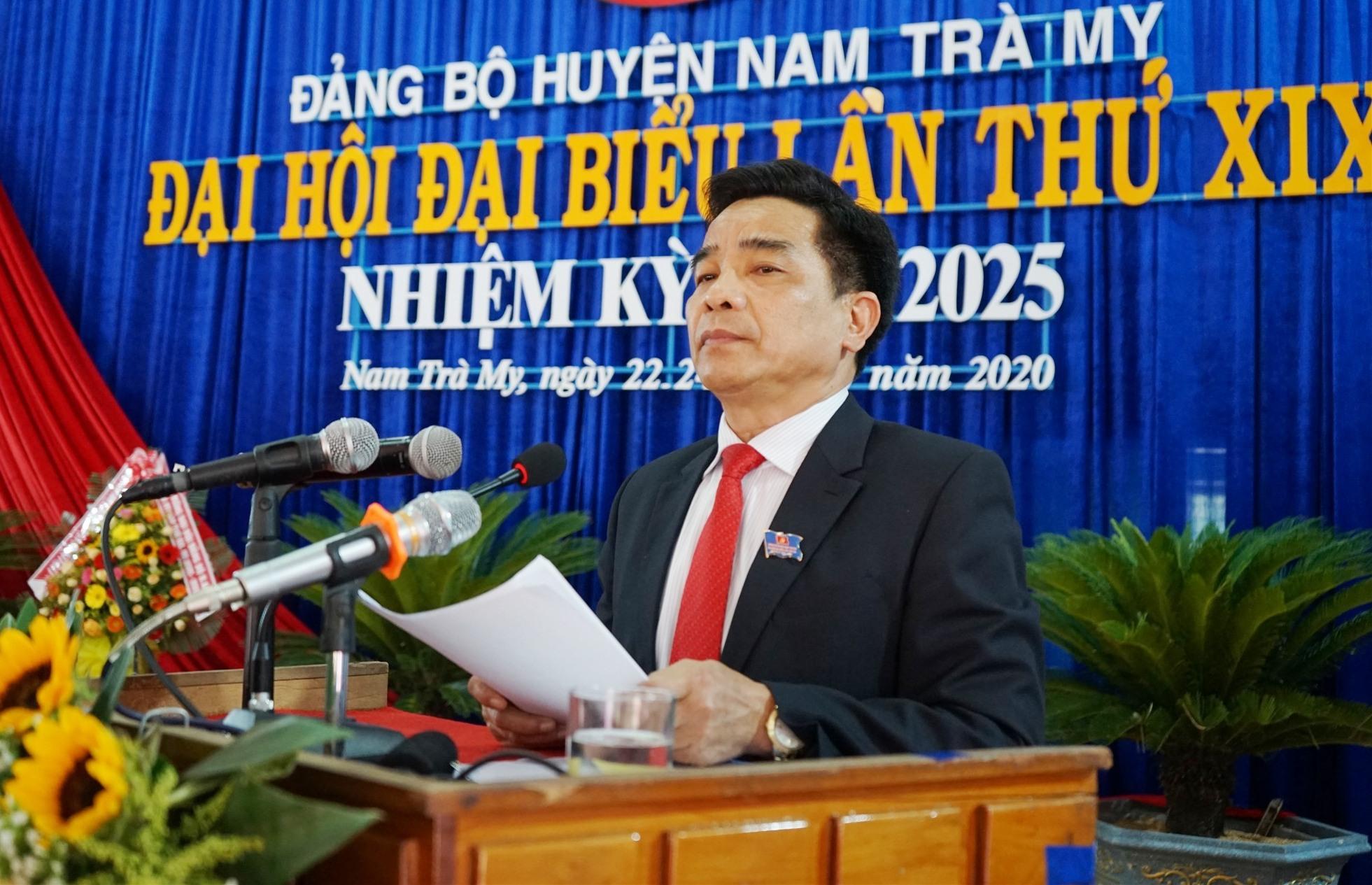 Phó Bí thư thường trực Tỉnh ủy Lê Văn Dũng phát biểu chỉ đạo tại đại hội. Ảnh: N.S