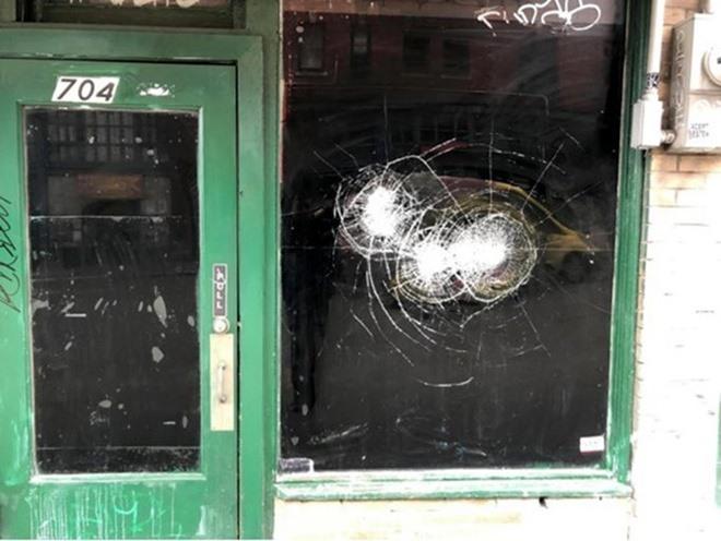 Cửa hàng của người Mỹ gốc Hoa ở Seattle bị đập phá.