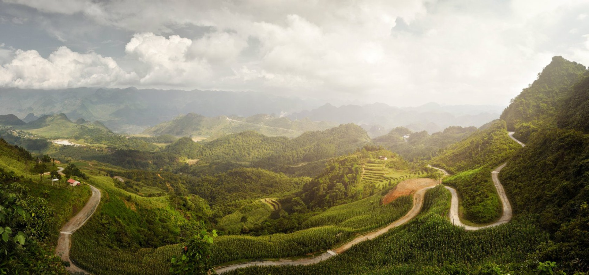 Verdant valleys and winding roads going through hills and mountains make Ha Giang charming. Besides, its ethnic villages contribute to the attraction of the province.