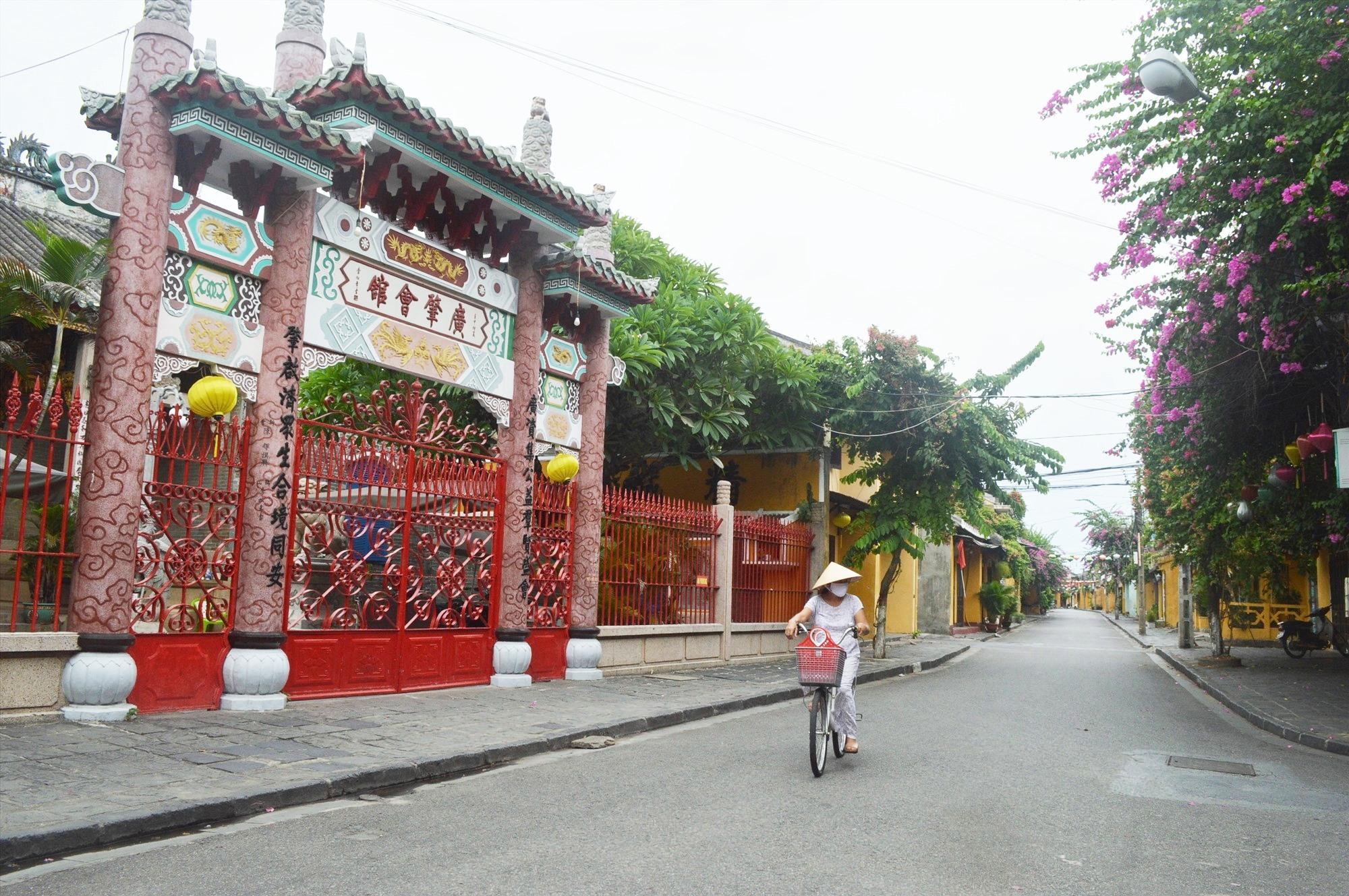 Phố cổ Hội An bị phim Madam Secretary chú thích sai là địa danh của Trung Quốc