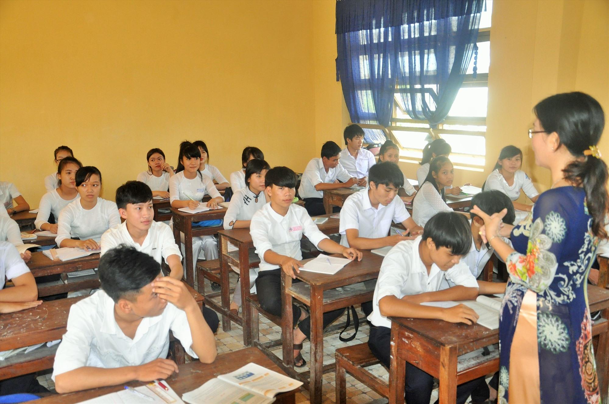 Theo phương án, học sinh sẽ được tỉnh hỗ trợ 100% học phí trong 4 tháng đầu năm học 2020-2021. Ảnh: X.P