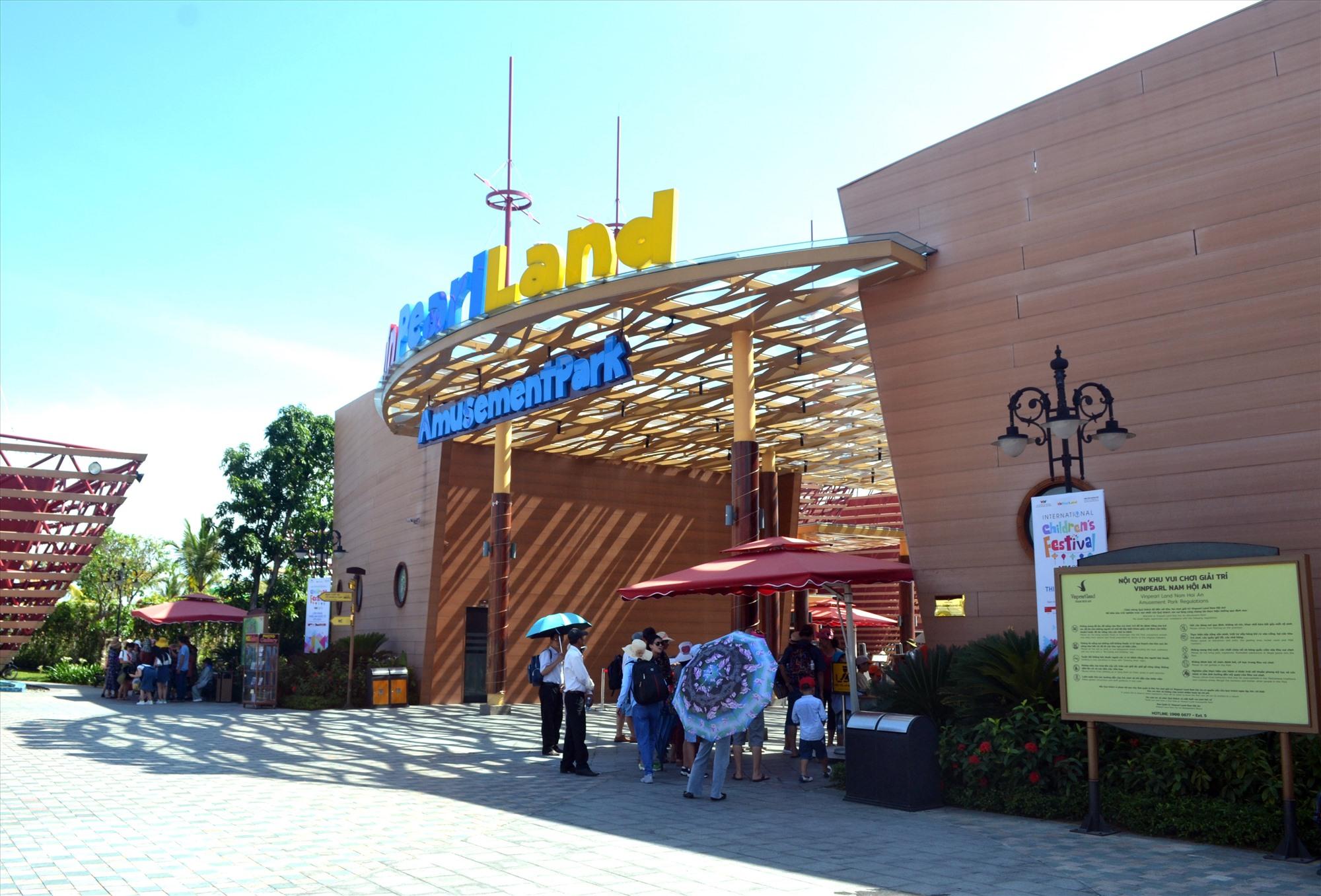 Khu du lịch nghỉ dưỡng Vinpearl Nam Hội An thu hút hàng nghìn du khách mỗi năm. Ảnh: VIỆT NGUYỄN