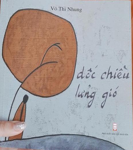 """Bìa tập thơ """"Dốc chiều lửng gió""""."""