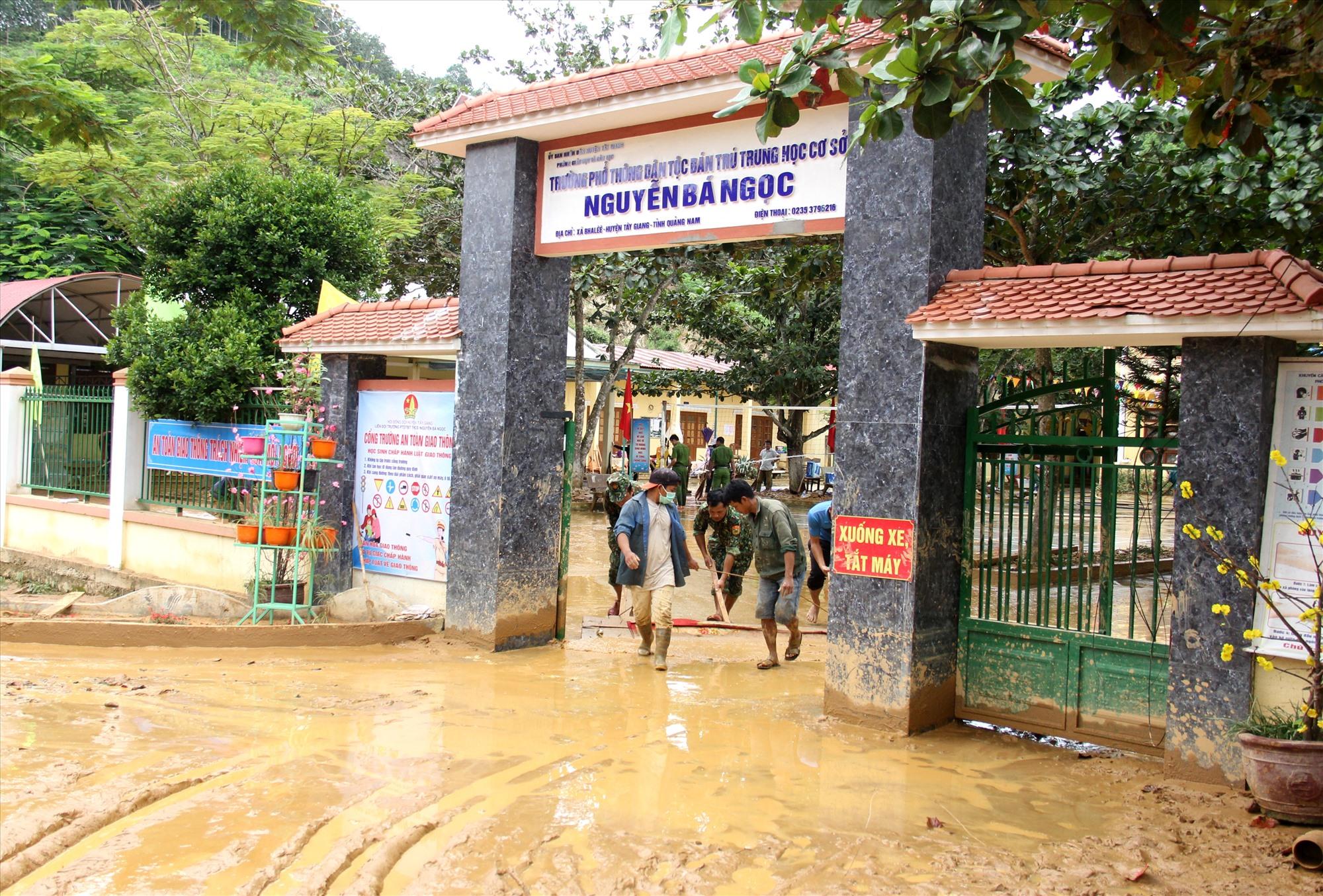 Theo kế hoạch, thứ 4 tuần này (tức 23.9), Trường Phổ thông dân tộc bán trú THCS Nguyễn Bá Ngọc sẽ trở lại việc học tập. Ảnh: A.N