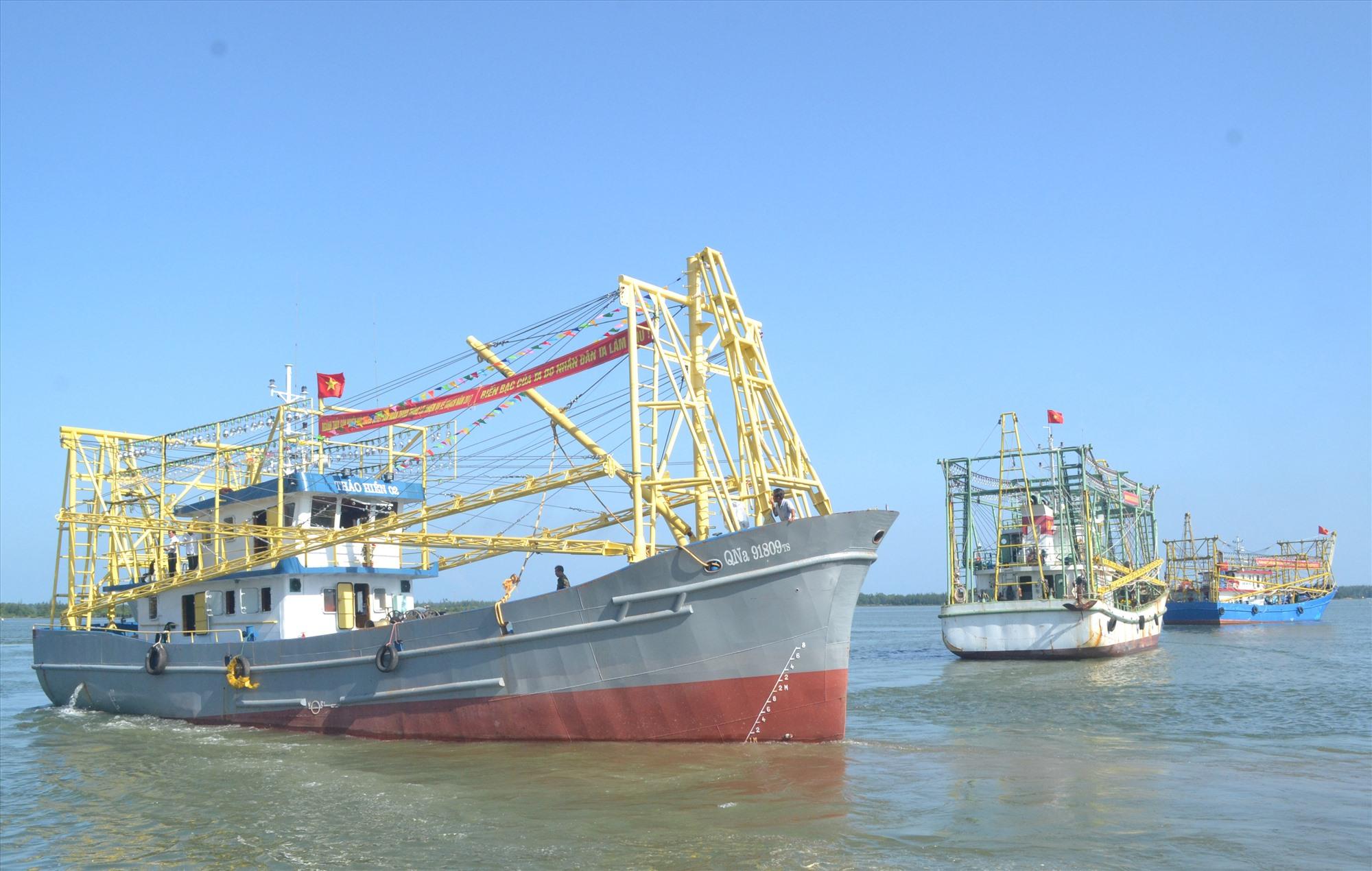 """""""Tàu 67"""" cần được bảo hiểm để hạn chế phát sinh nợ xấu của ngân hàng thương mại cho ngư dân vay vốn đóng tàu. Ảnh: V.NGUYỄN"""