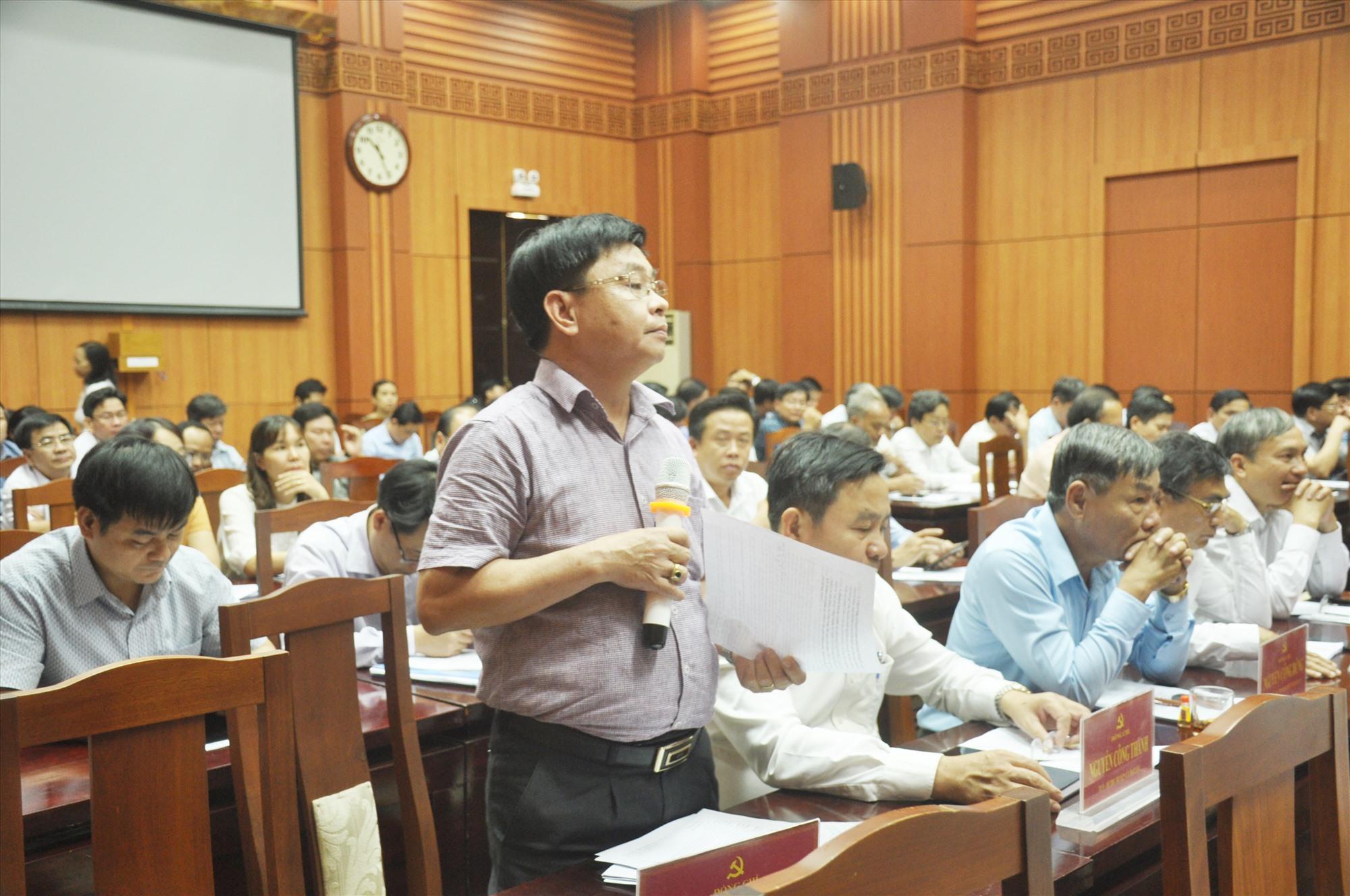 Đại biểu phát biểu thảo luận tại hội nghị. Ảnh: N.Đ
