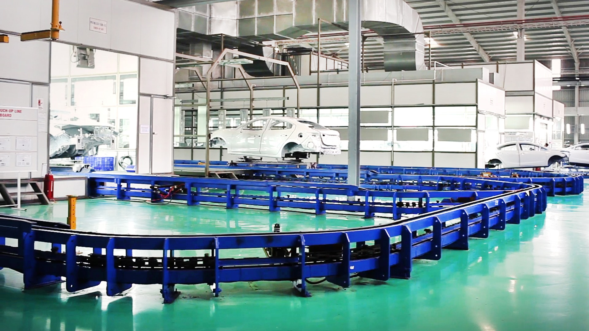 Sản phẩm cơ khí thiết bị công nghiệp.
