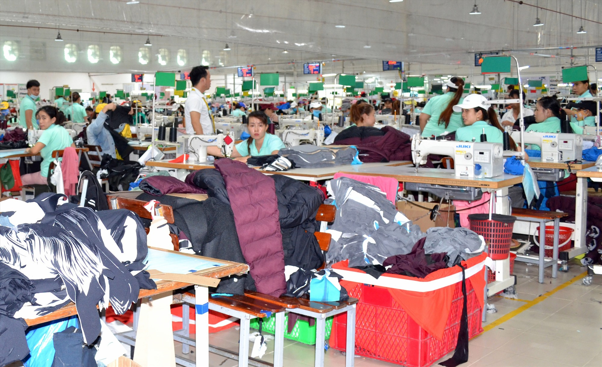 Tạo thuận lợi cho hoạt động của doanh nghiệp là một trong những nhiệm vụ cải cách hành chính của huyện Thăng Bình. Ảnh: VIỆT NGUYỄN