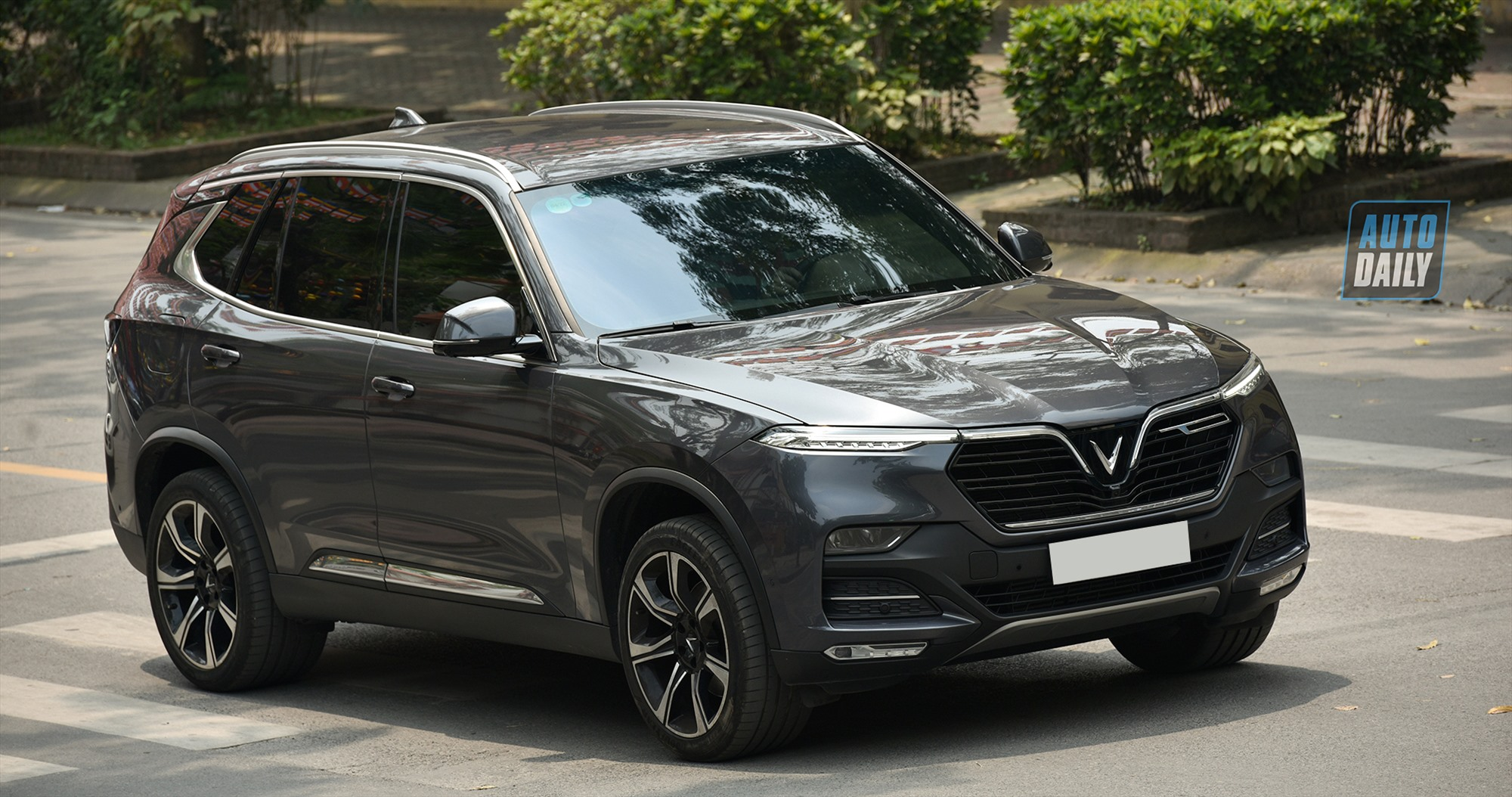 VinFast gia hạn ưu đãi 100% lệ phí trước bạ cho dòng xe Lux