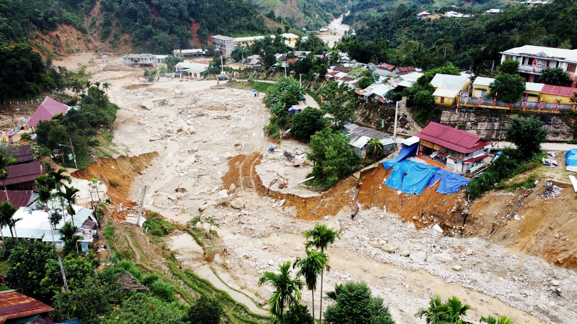 Lũ quét gây thiệt hại nặng ở xã Phước Thành (Phước Sơn) sau bão số 9 năm 2020. Ảnh: T.C