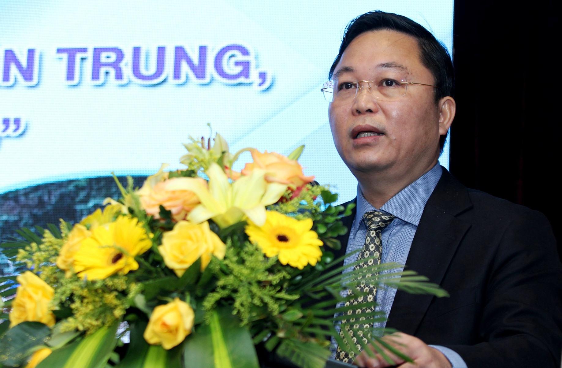 Chủ tịch UBND tỉnh Lê Trí Thanh phát biểu tại hội thảo. Ảnh: T.C