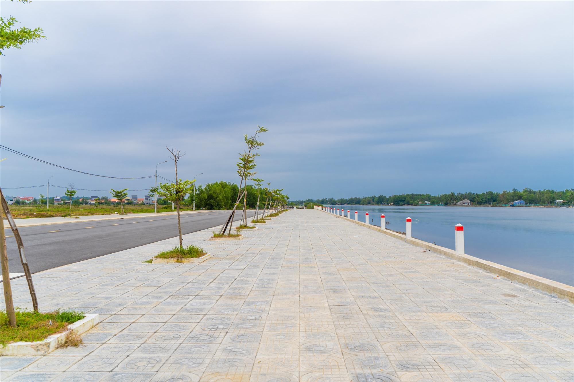 Chu Lai Riverside nằm bên sông Trường Giang và QL1A.