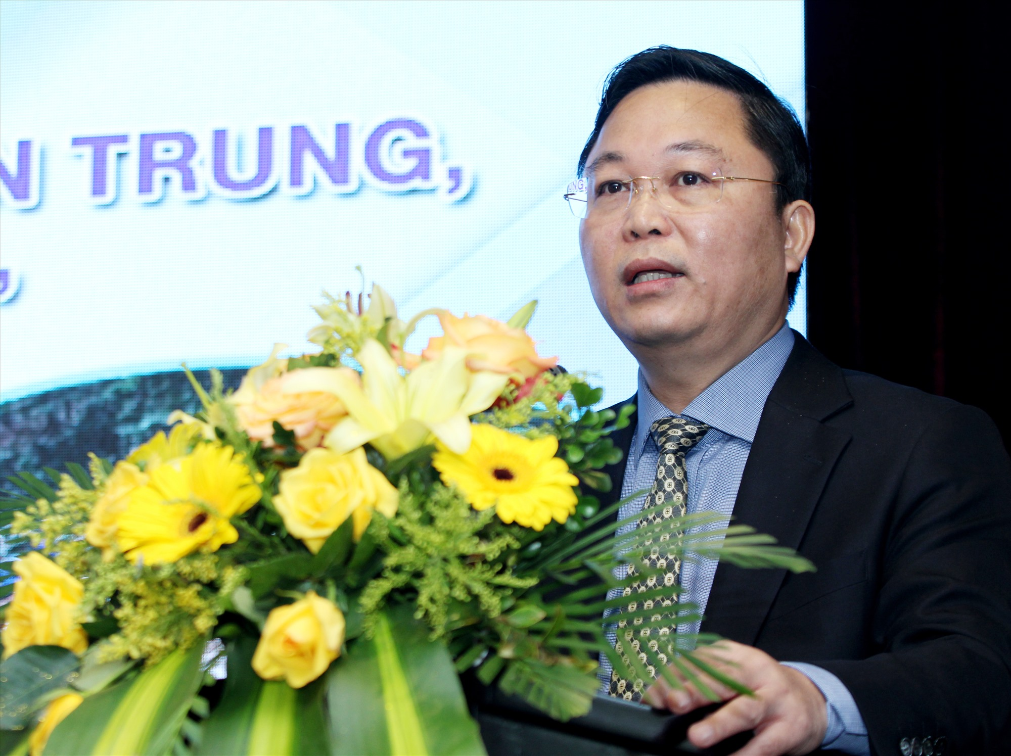Chủ tịch UBND tỉnh Lê Trí Thanh phát biểu tại hội thảo.