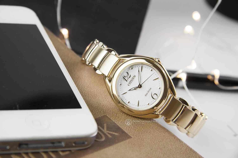Đồng hồ Citizen nữ mạ vàng có trang bị nhiều chức năng hữu ích - Citizen FE2072-54A