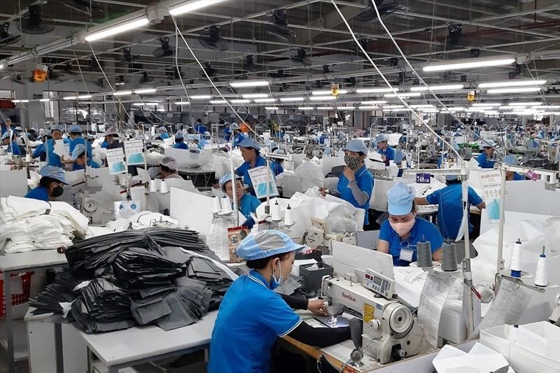 Working atmosphere in Tam Thang Industrial Park