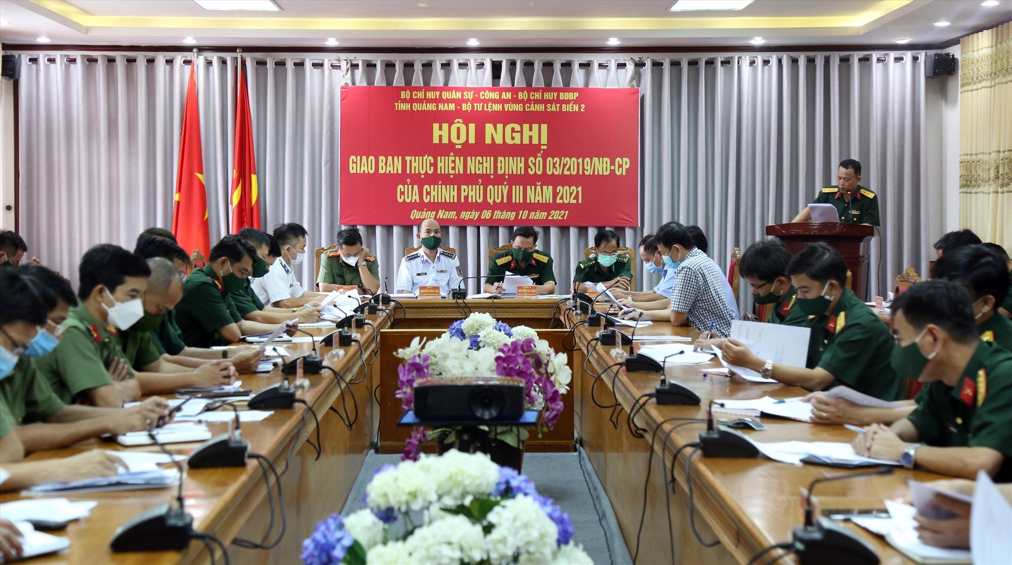 Các lực lượng Công an, Quân sự, Bộ đội Biên phòng và Cảnh sát biển giao ban thực hiện Nghị định 03 của Chính phủ. Ảnh: T.C