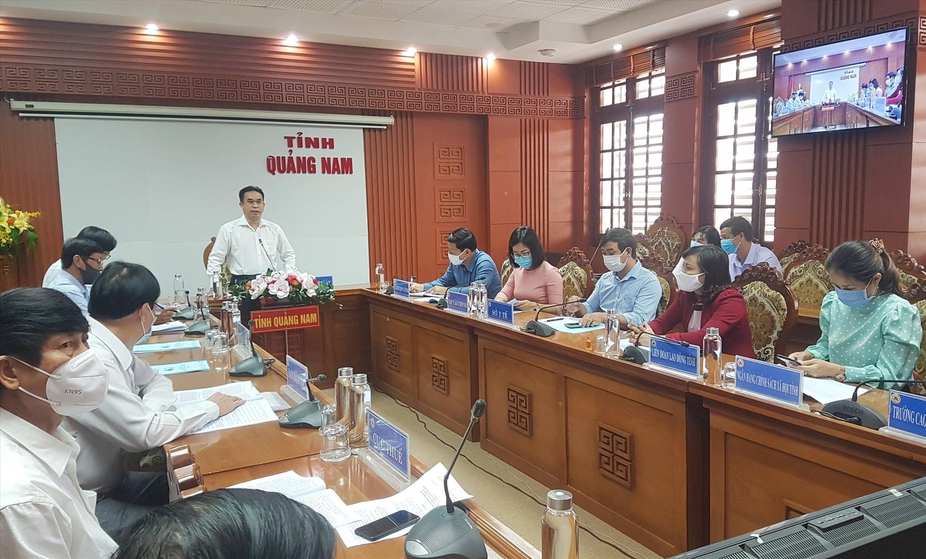Cuộc họp trực tuyến sáng nay do Phó Chủ tịch UBND tỉnh Trần Anh Tuấn chủ trì. Ảnh: D.L