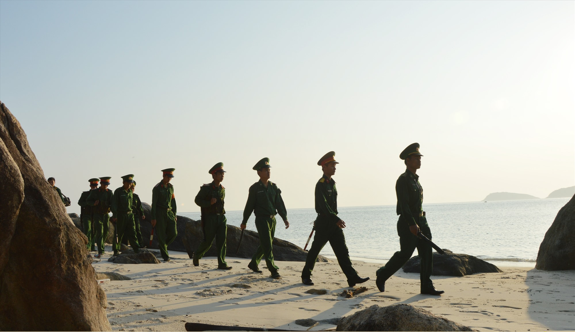 Tiểu đoàn 70 tuần tra trên Cù Lao Chàm.Ảnh: N.D