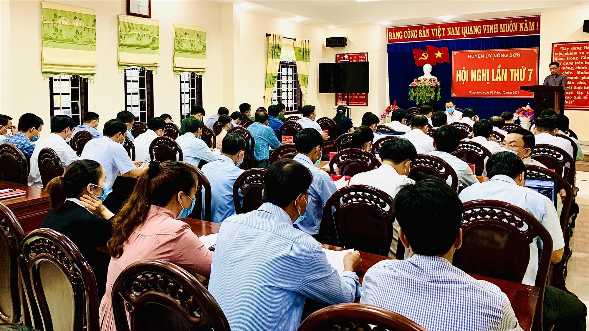 Quang cảnh hội nghị BCH Đảng bộ huyện Nông Sơn lần thứ 7 (nhiệm kỳ 2020-2025). ảnh MINH THÔNG