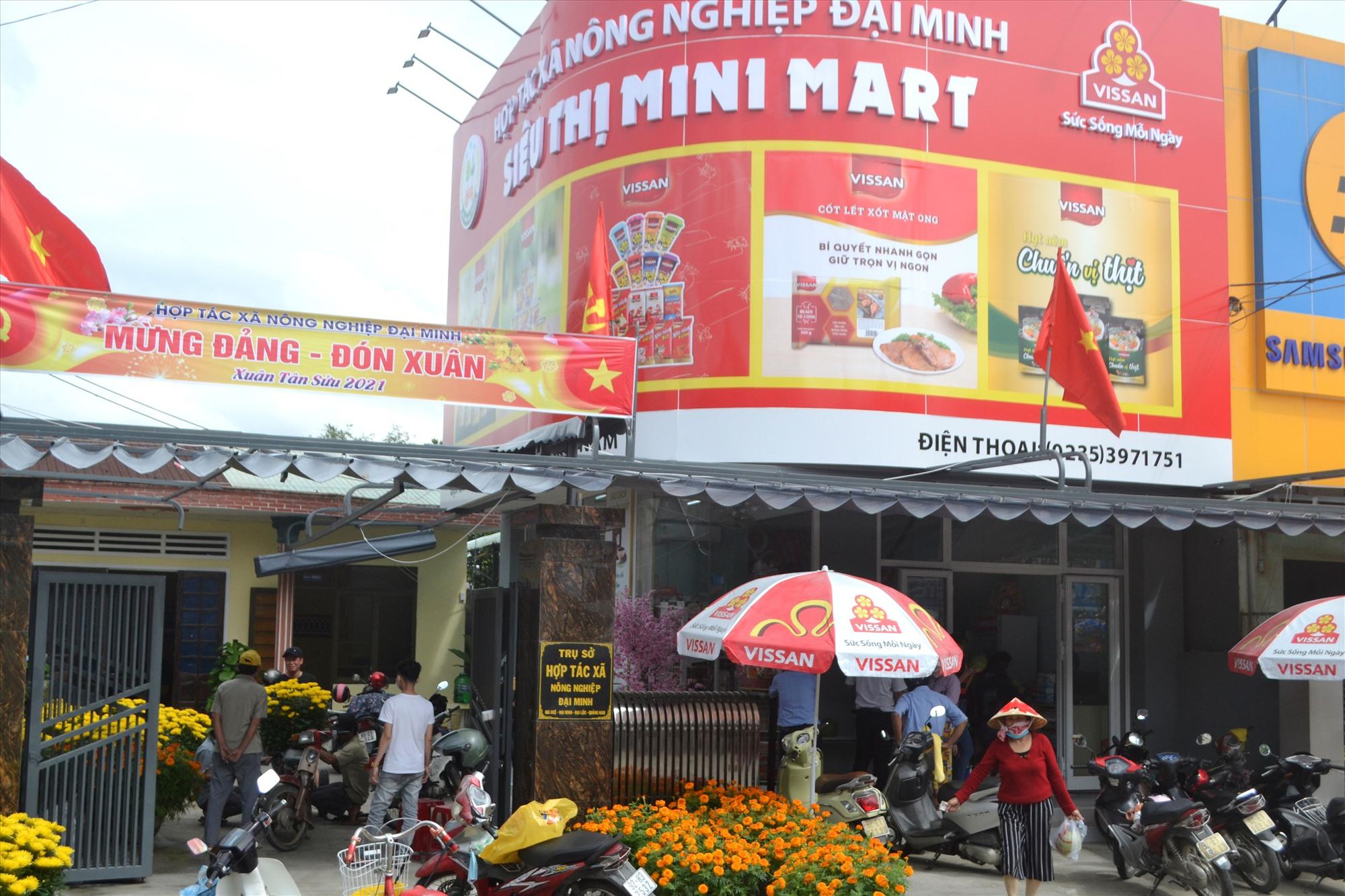 Siêu thị mini Mart của Hợp tác xã Nông nghiệp Đại Minh. Ảnh: CT