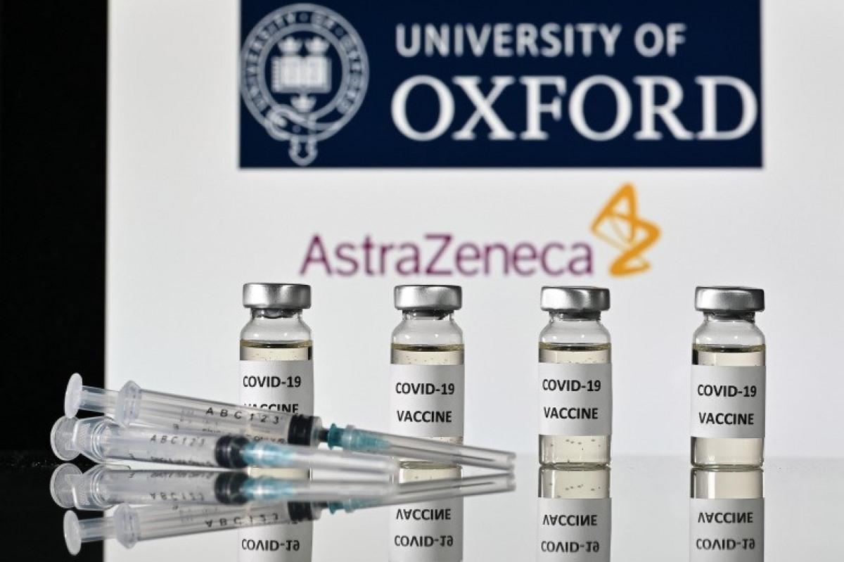 ( Việt Nam đã đặt mua và được chấp thuận mua 30 triệu liều vaccine cũng của AstraZeneca. Ảnh minh họa: AFP)
