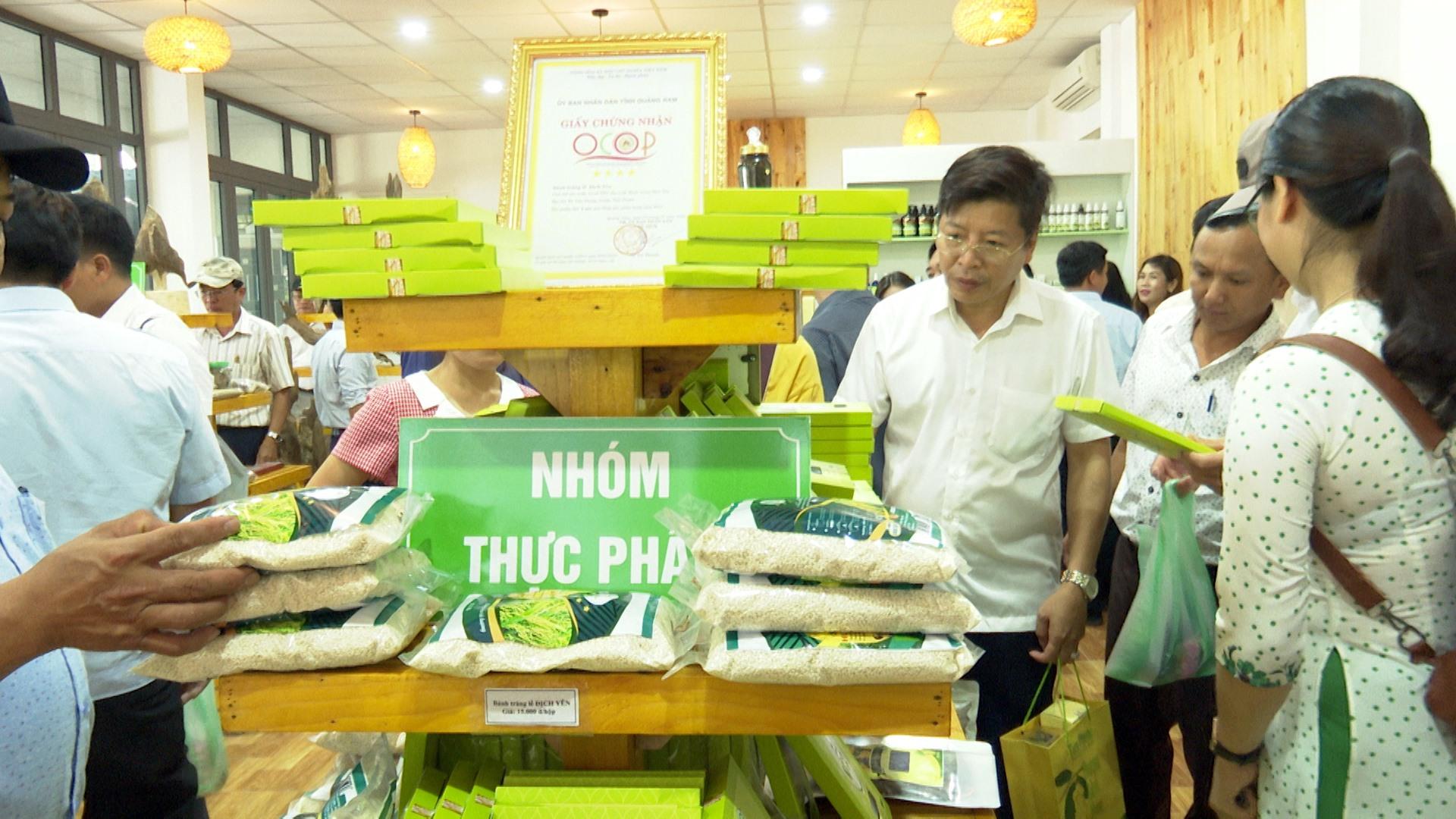 Huyện Tiên Phước đầu tư gần một tỷ đồng xây dựng Trung tâm Giới thiệu và bán sản phẩm OCOP. Ảnh: N.H