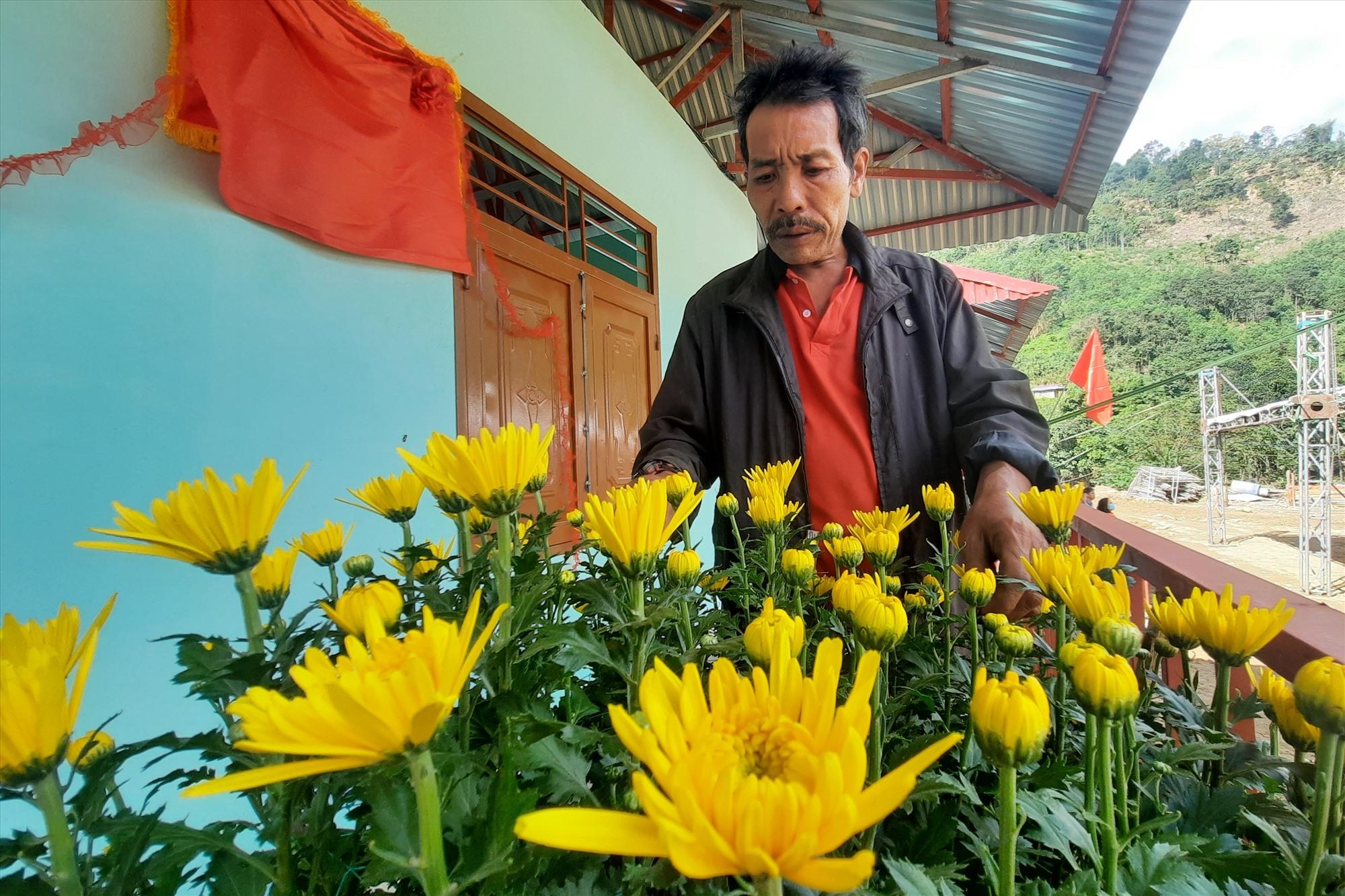Mùa xuân mới đã về với nhân dân Trà Leng, dần xóa nhòa đi một ký ức tang thương. Ảnh: Đ.ĐẠO