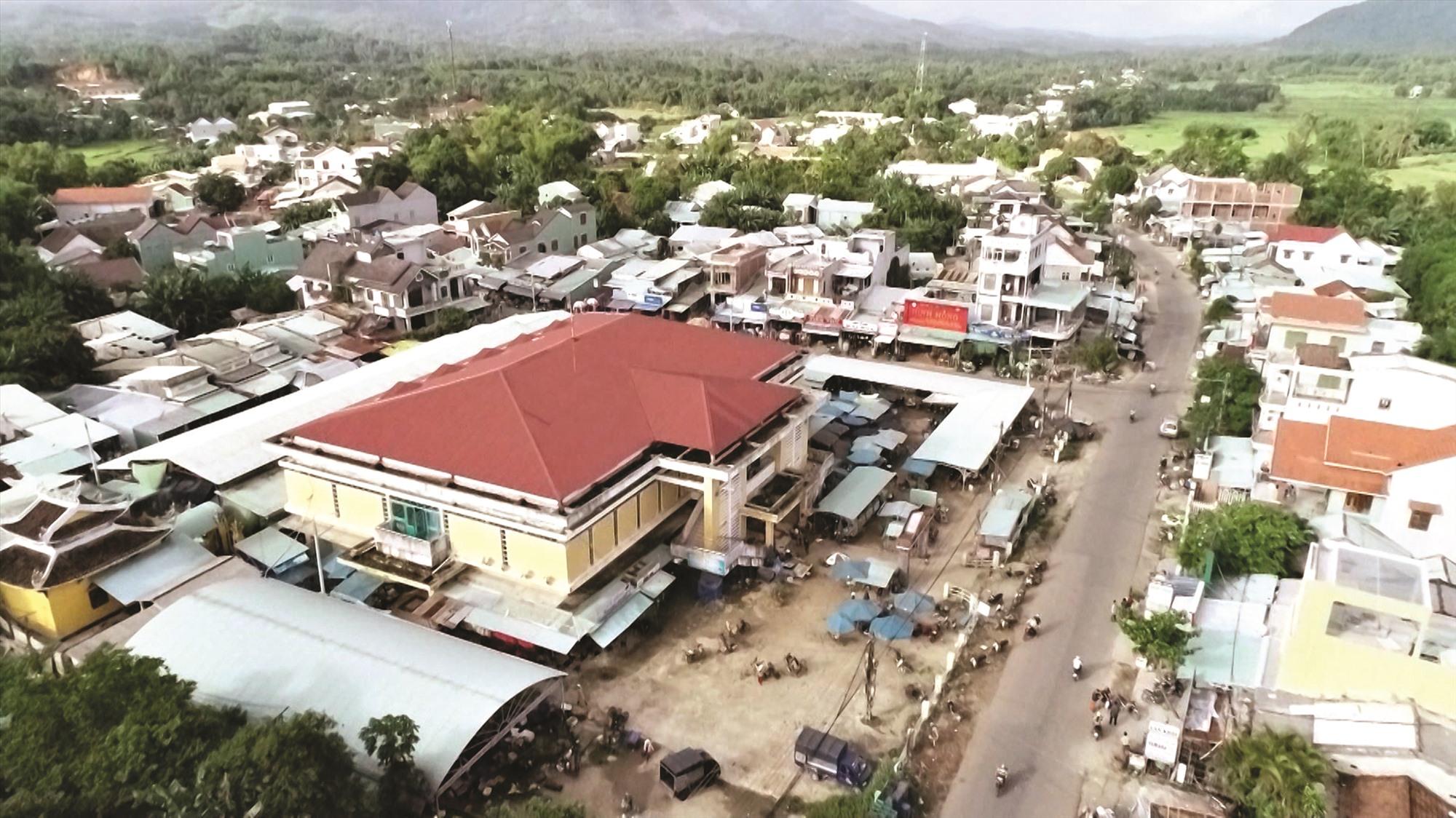 Chợ Việt An. Ảnh: VÕ TRƯỜNG