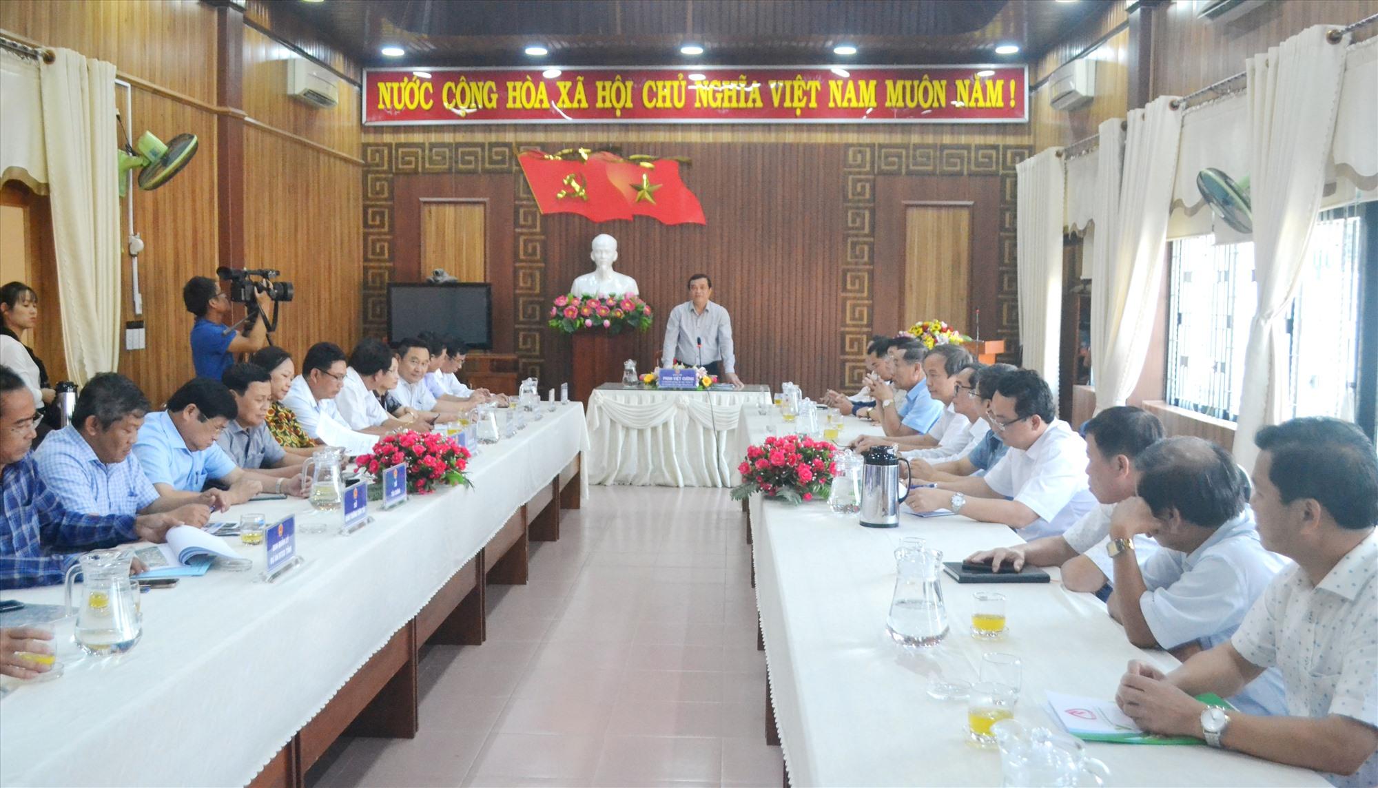 Bí thư Tỉnh ủy Phan Việt Cường yêu cầu các địa phương quản lý chặt chẽ hiện trạng. Ảnh: CT