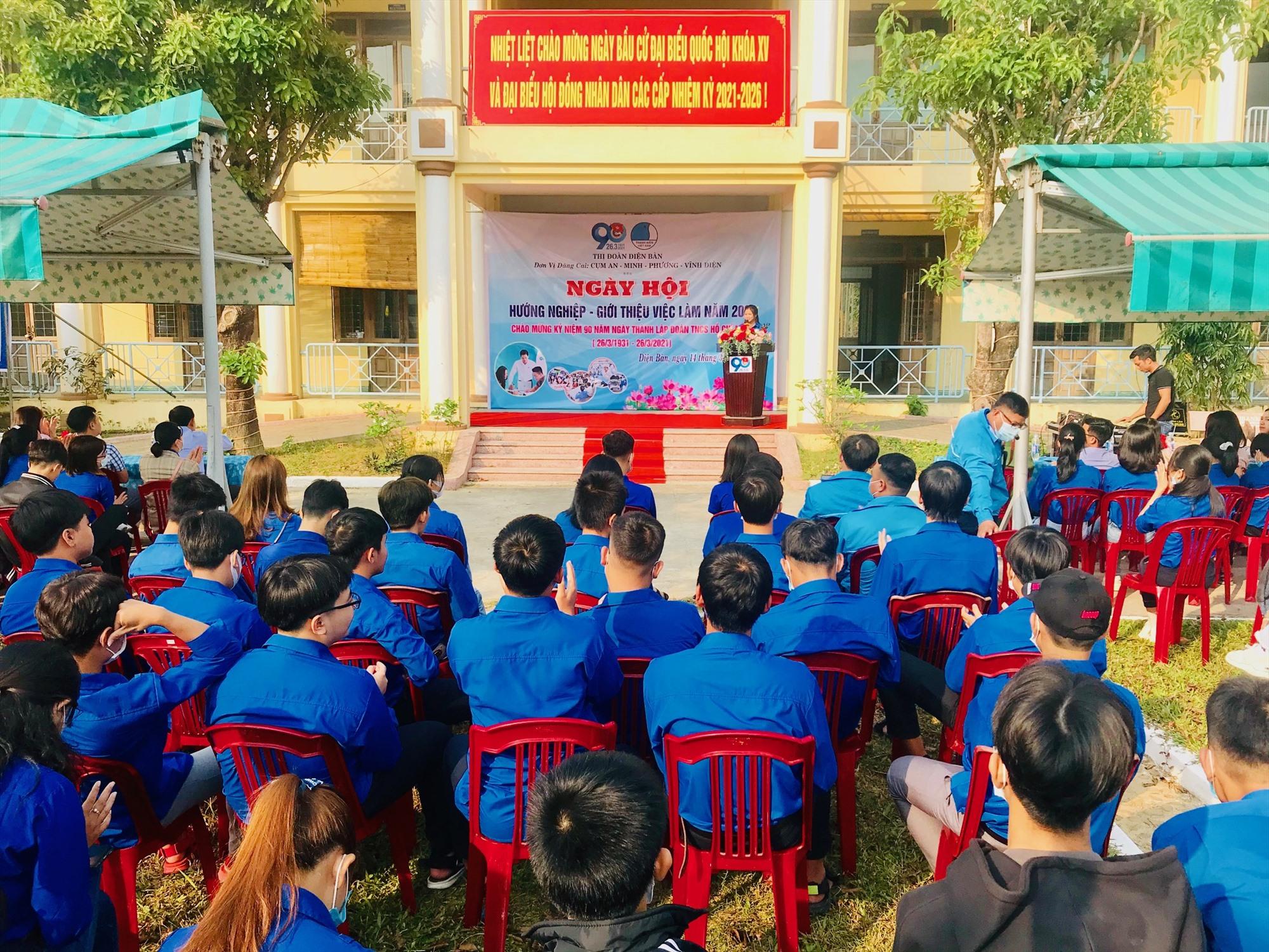 Ngày hội thu hút hơn 100 đoàn viên thanh niên tham gia. Ảnh: Q.T