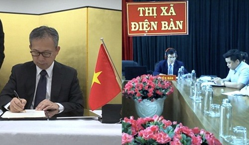 Project on building classrooms in Junko school in Dien Ban town, Quang Nam province is signed. Picture: Japanese Embassy