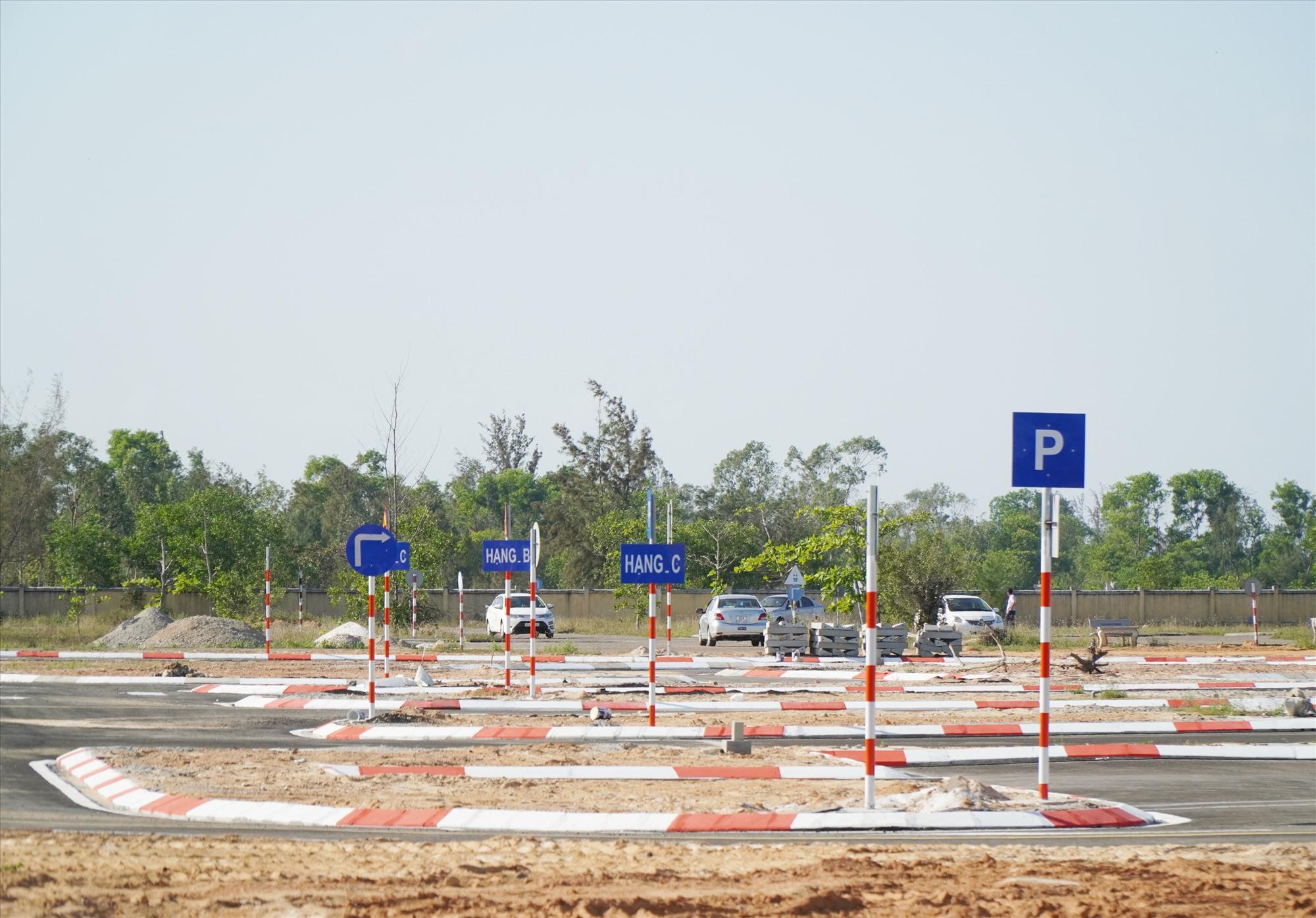 Công ty CP Giao thông vân tải Quảng Nam đang nỗ lực xây dựng hoàn thành Trung tâm sát hạch và đào tạo lái xe Thăng Bình . Ảnh NĐ