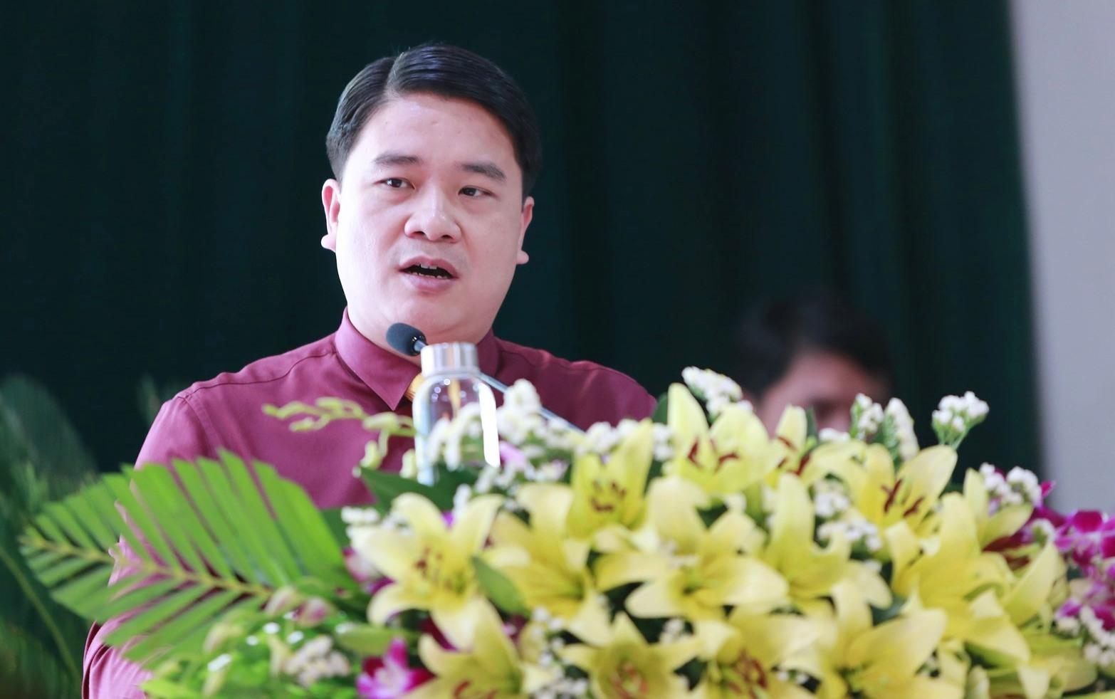 Phó Chủ tịch UBND tỉnh Trần Văn Tân đánh giá cao những nội dung tham luận, thảo luận tại hội thảo. Ảnh: C.V