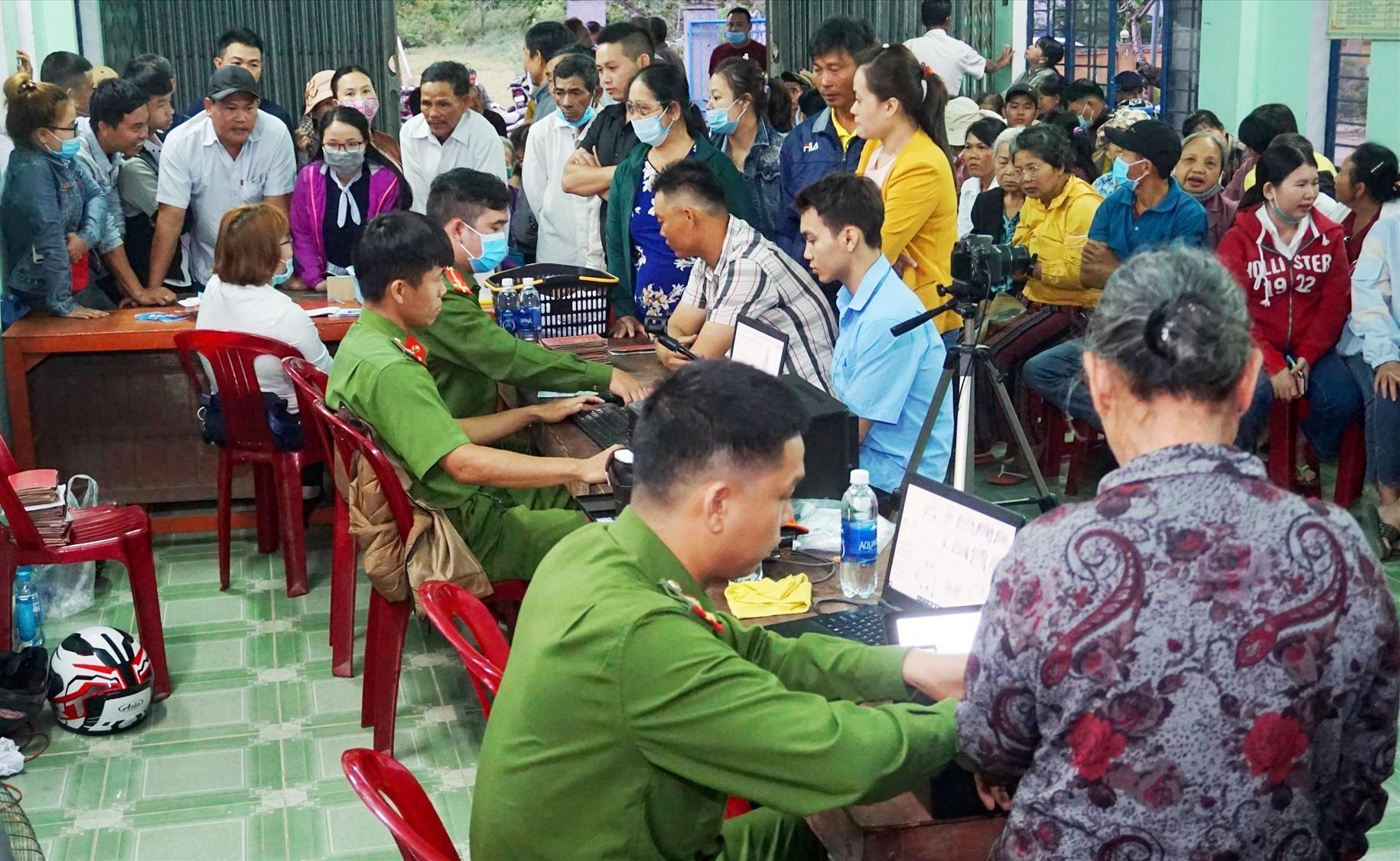Cấp CCCD lưu động tại thôn Thanh Quýt 1, xã Điện Thắng Trung, Điện Bàn.