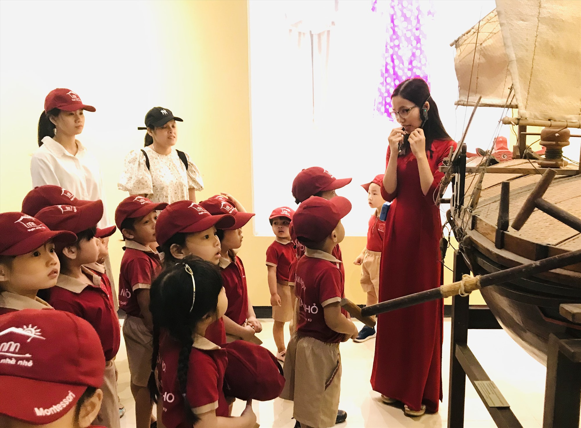 Học sinh các trường học trên địa bàn tỉnh tham quan Bảo tàng Quảng Nam. Ảnh: C.N