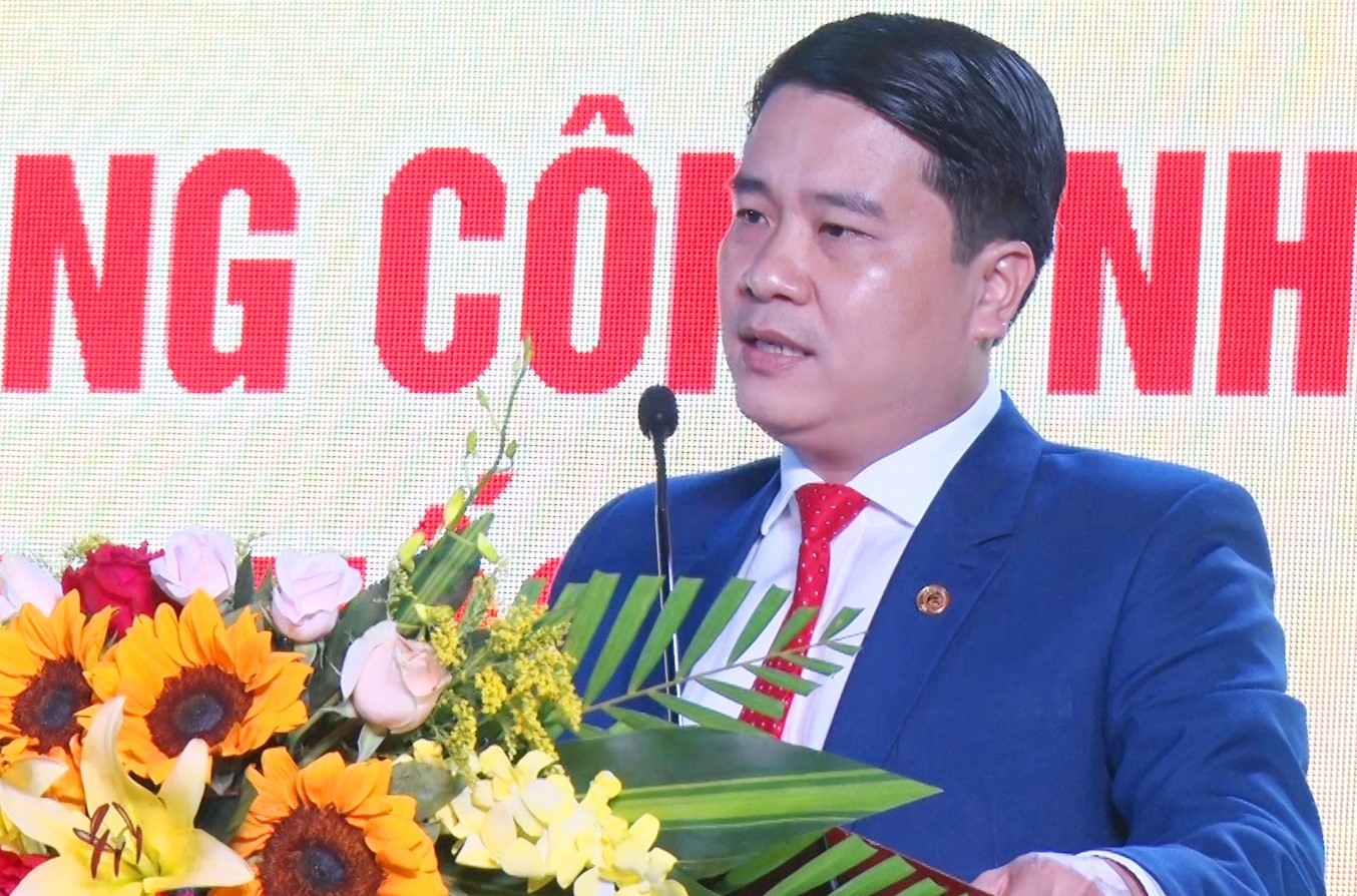 Ông Trần Văn Tân, Phó Chủ tịch UBND tỉnh Quảng Nam phát biểu tại buổi lễ. Ảnh: HÀ LÊ