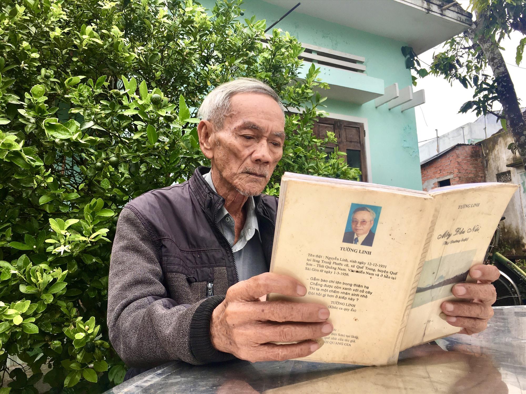 Ông Nguyễn Thời - em ruột nhà thơ Tường Linh hiện đang sống tại quê nhà Trung Phước. Ảnh: M.T
