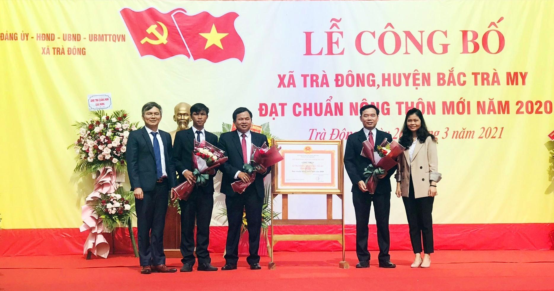xã Trà Đông (Bắc Trà My) tổ chức lễ công bố quyết định đạt chuẩn nông thôn mới năm 2020.
