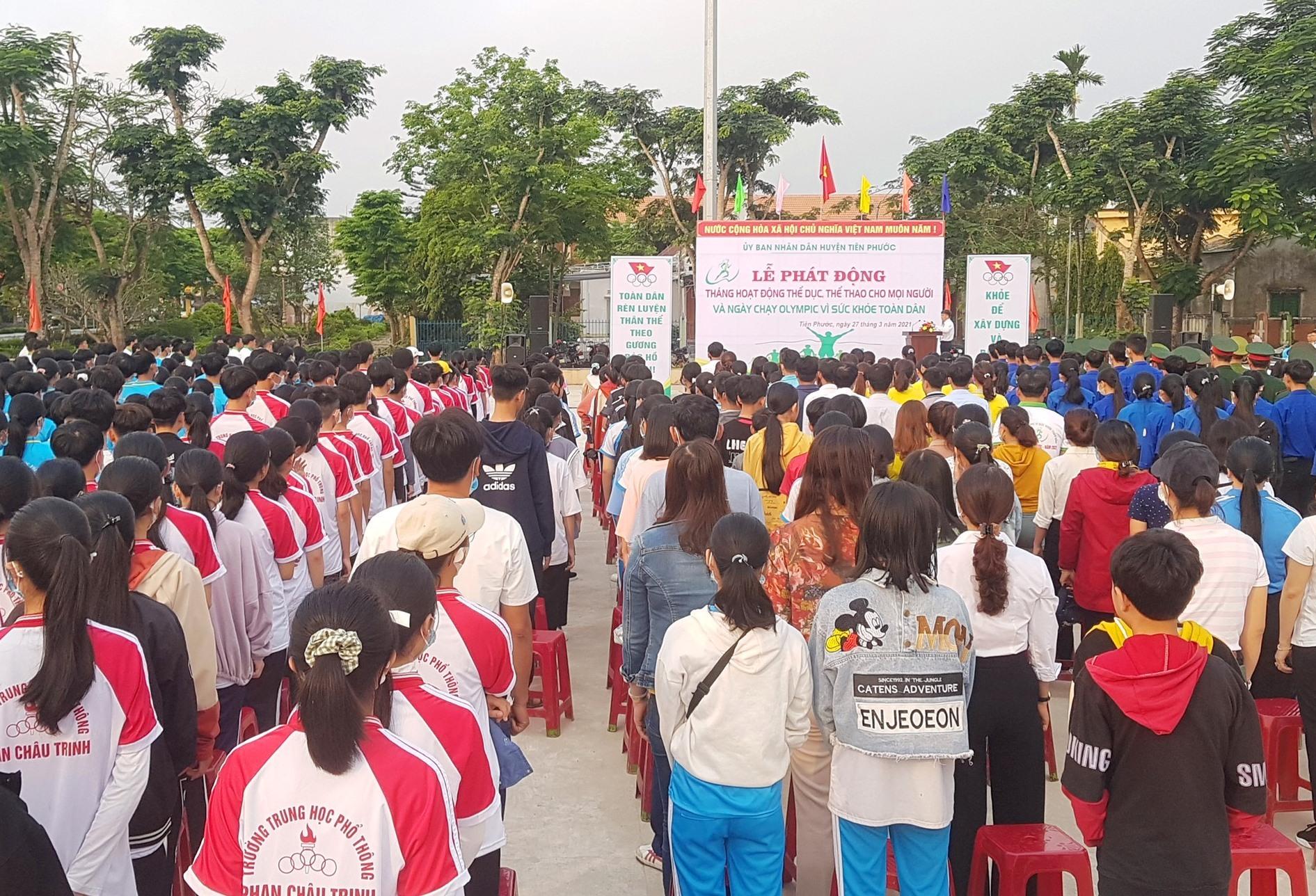 Tiên Phước tổ chức lễ phát động Tháng hoạt động thể dục, thể thao cho mọi người vào sáng nay. Ảnh: D.L