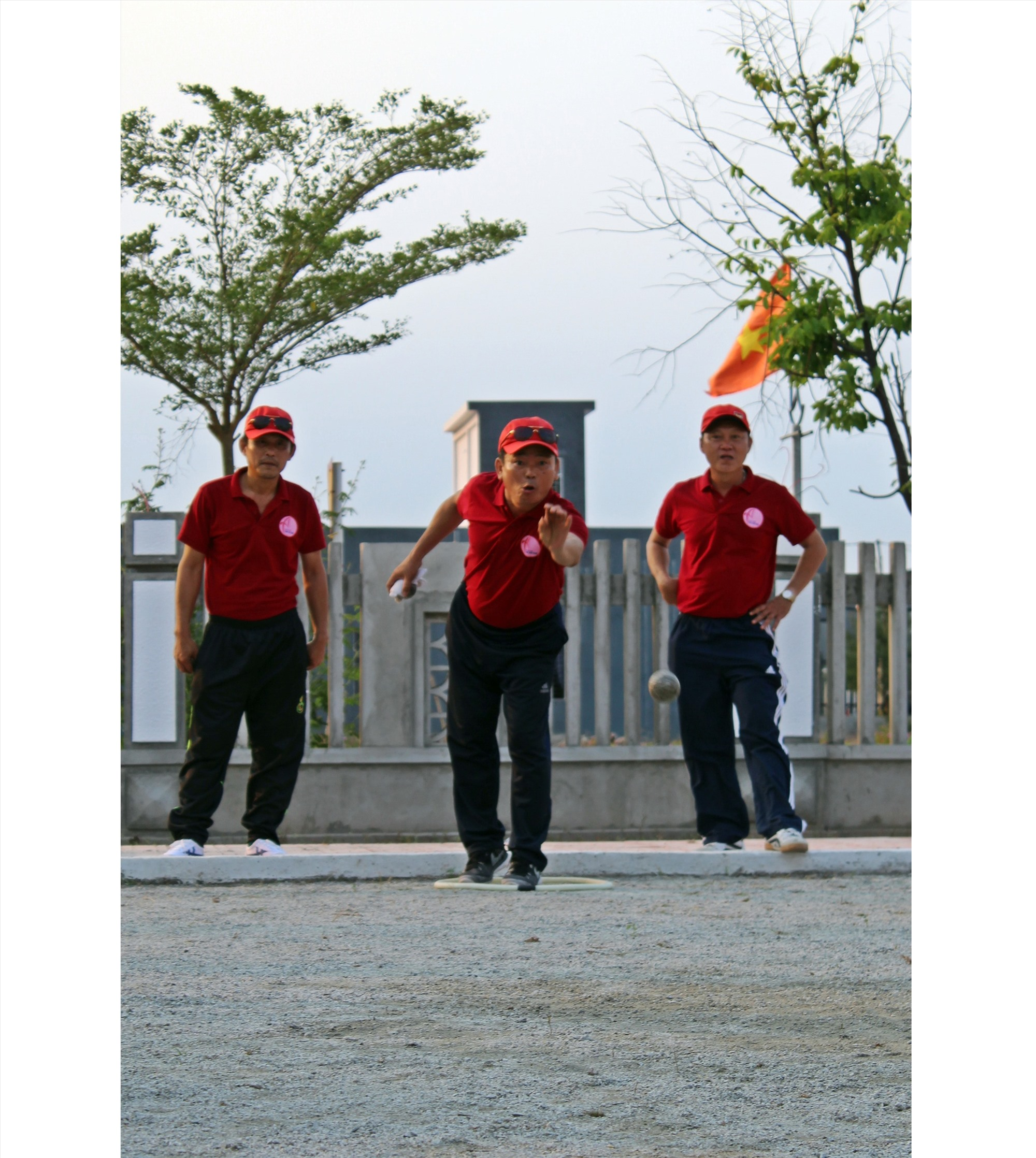 Đây là địa phương đầu tiên ở Núi Thành cũng như trên địa bàn tỉnh tổ chức phong trào chơi môn thể thao bi sắt.