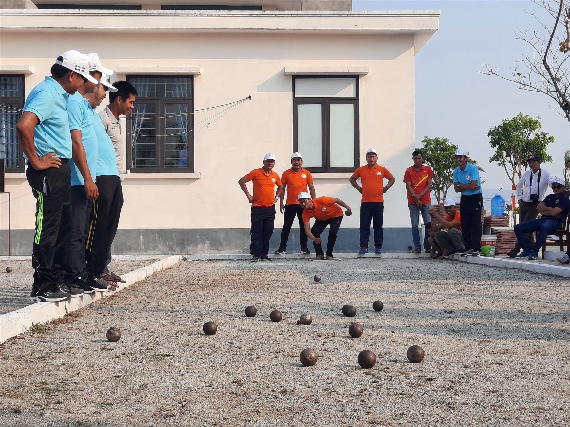 Phong trào chơi môn bi sắt lan tỏa trong cộng đồng xã Tam Anh Nam với 4 câu lạc bộ, 24 bi thủ. Và đang được phổ biến đến một số xã như Tam Tiến, Tam Mỹ Đông...