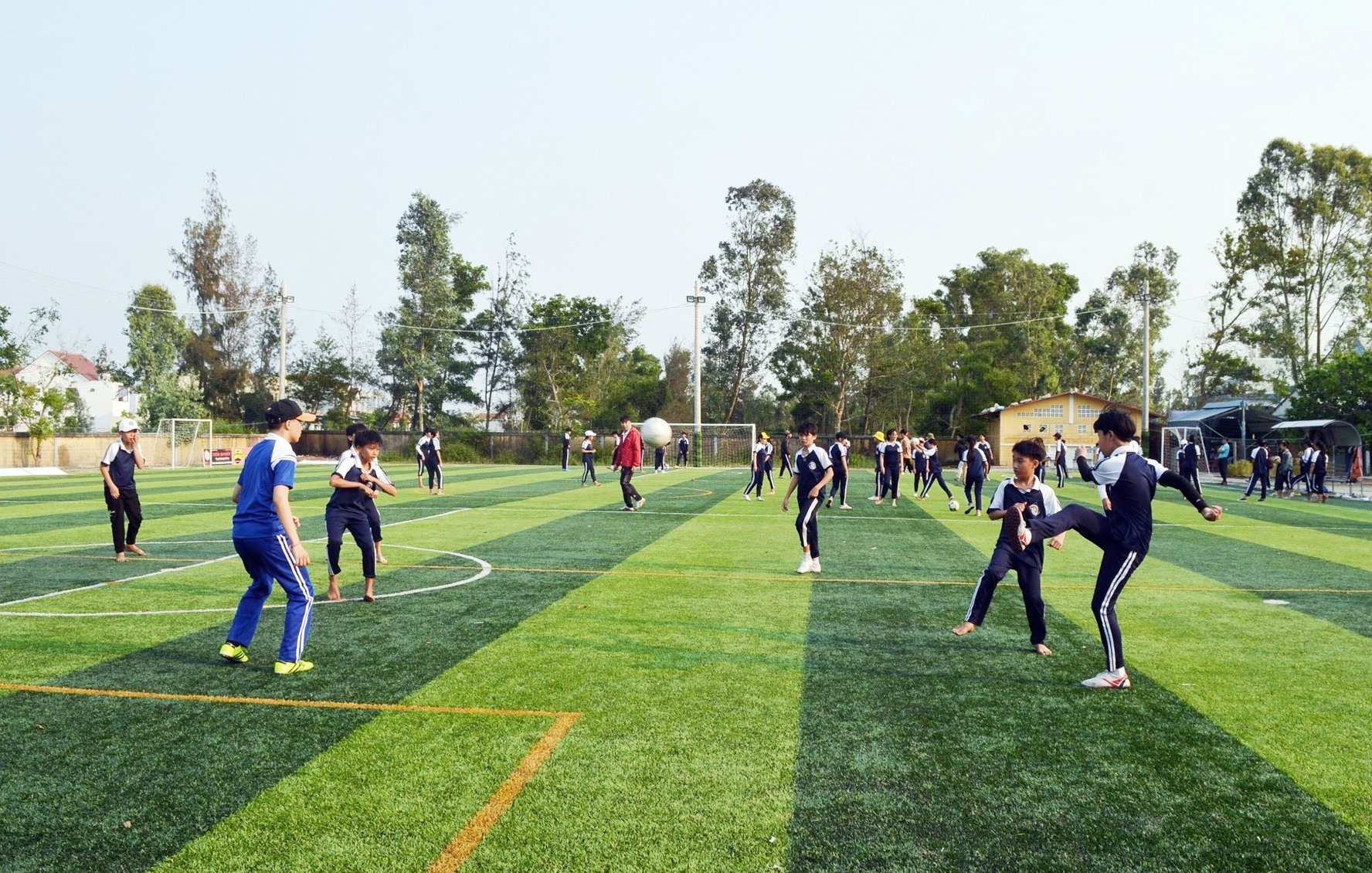 Hoiana hỗ trợ xây sân vận động cho Trường THCS Ngô Quyền