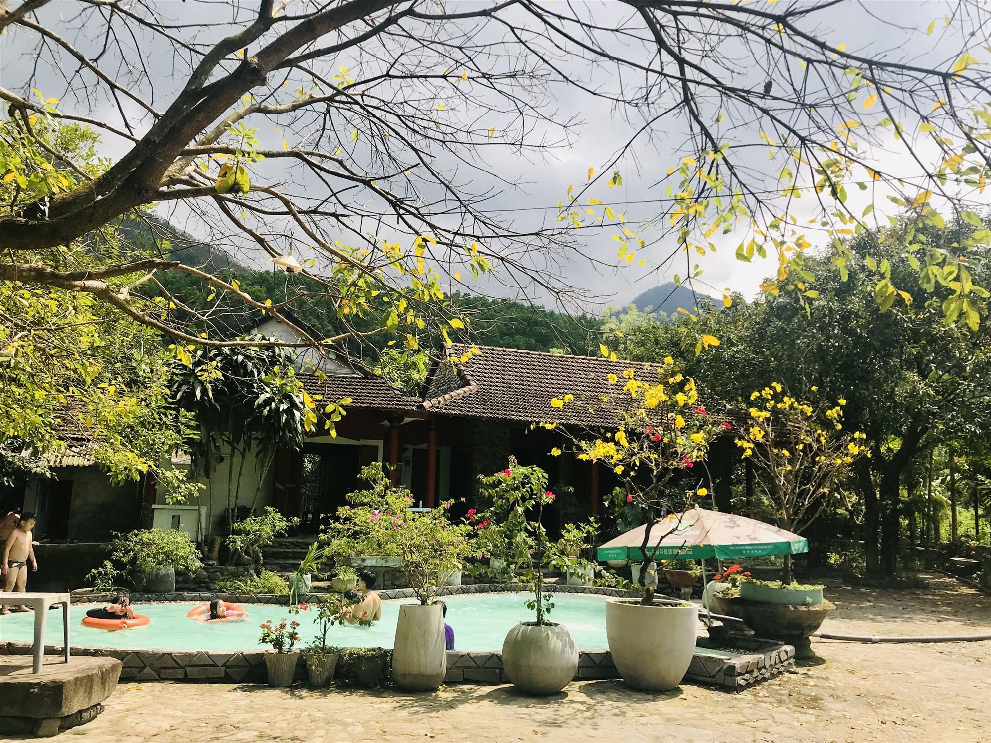 Vẻ đẹp thanh bình của một nhà vườn ở thôn Tú Mỹ. Ảnh: Q.T