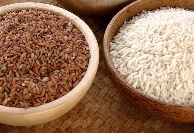 Gạo lứt ăn đứt gạo trắng về lợi ích sức khỏe và giá trị dinh dưỡng.