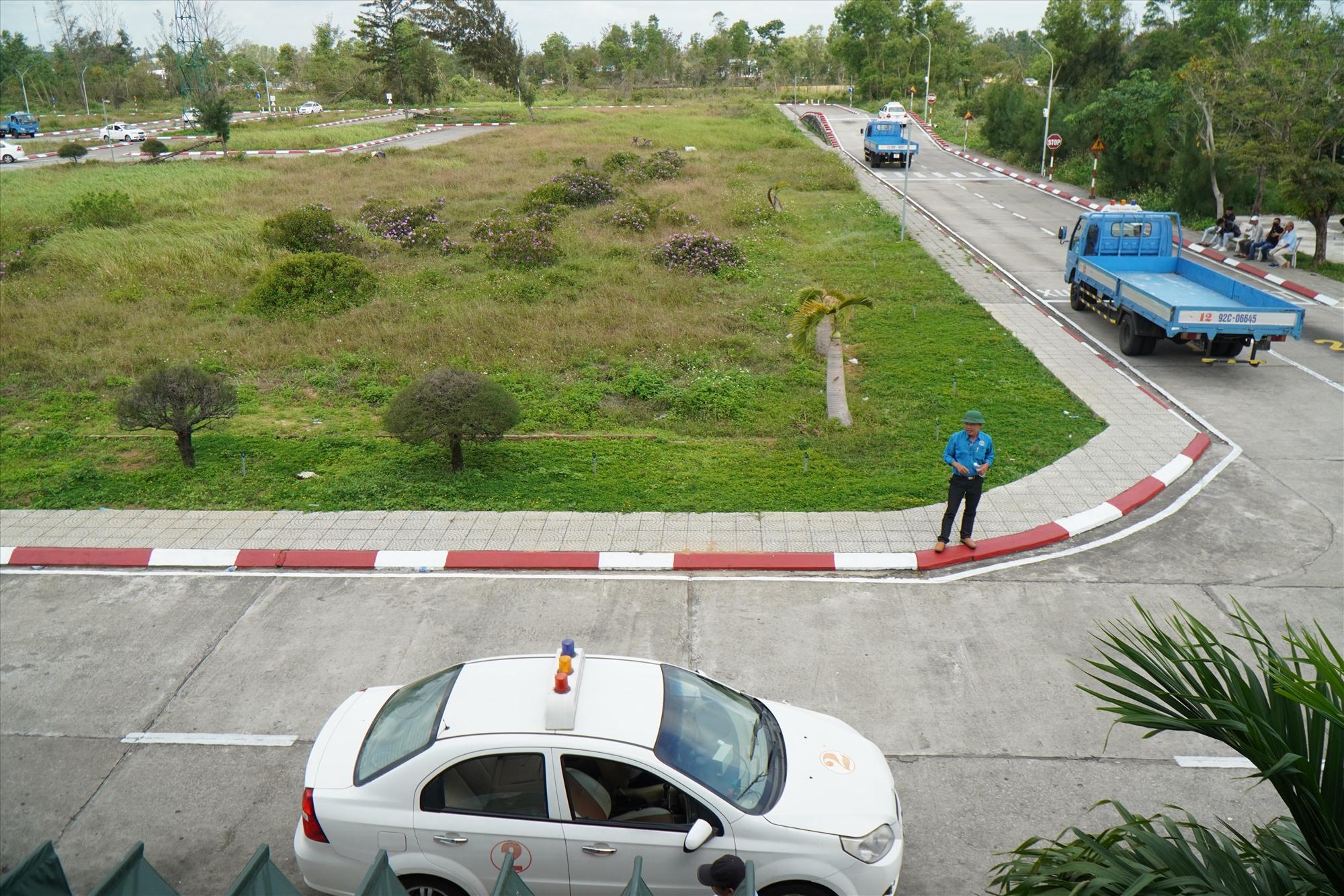 Sân sát hạch lái xe đạt chuẩn của Công ty CP Minh Sơn Quảng Nam tại xã Bình Nguyên, huyện Thăng Bình. Ảnh: N.T.B